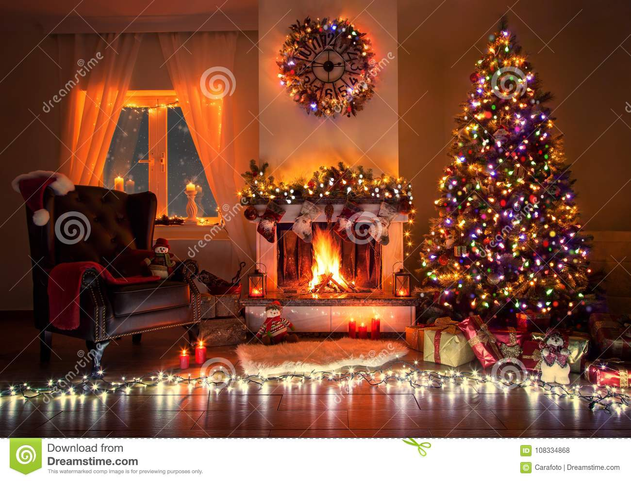 Beautiful decorated living room with a christmas tree and - Where to put christmas tree in small living room ...