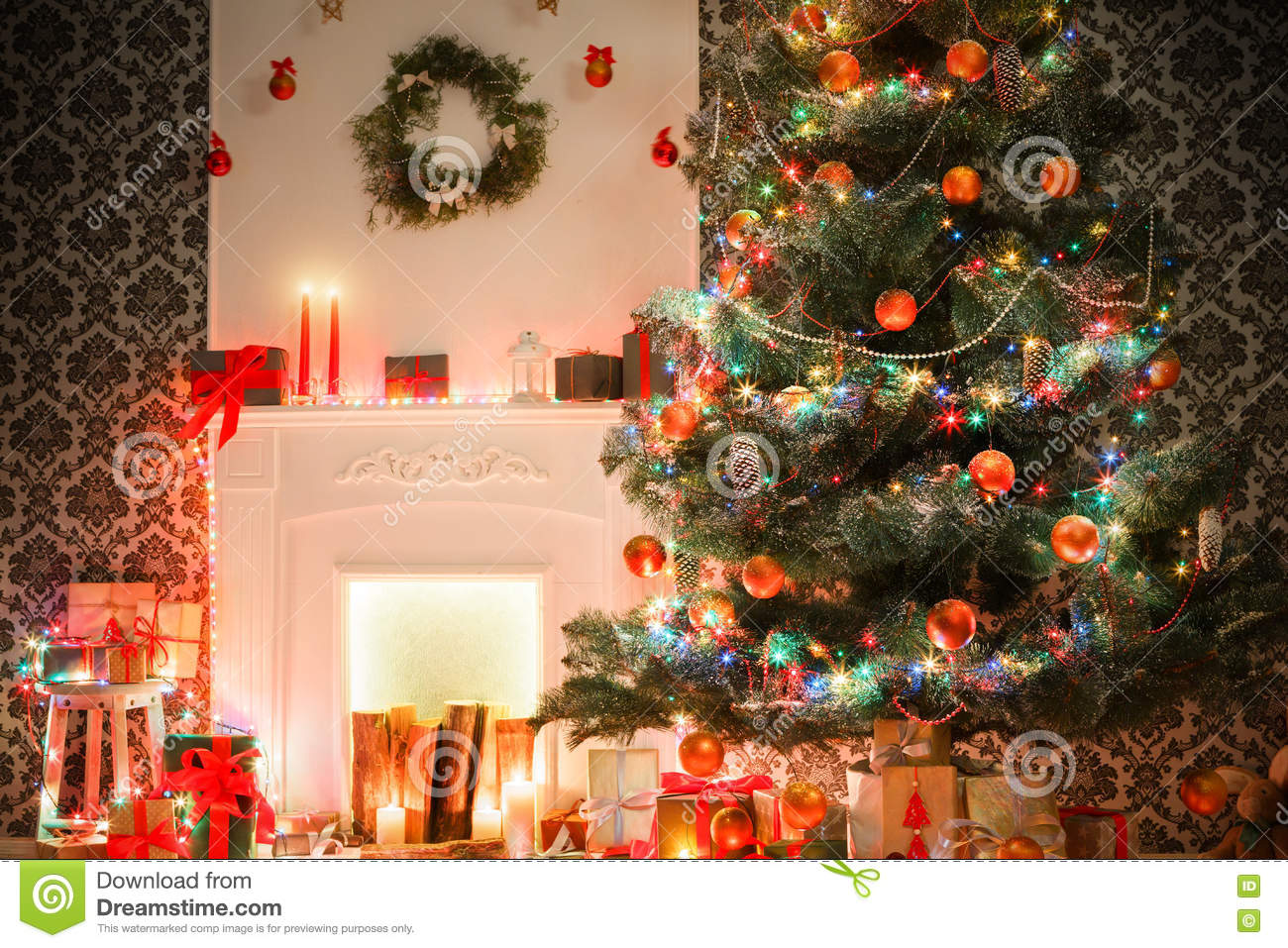 Christmas Room Interior Design Decorated Tree In Garland