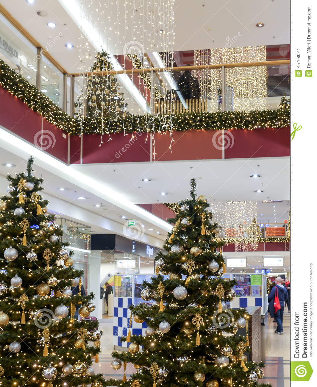 Christmas Decorations In Shopping Malls: Christmas Shopping Mall Editorial Photography. Image Of
