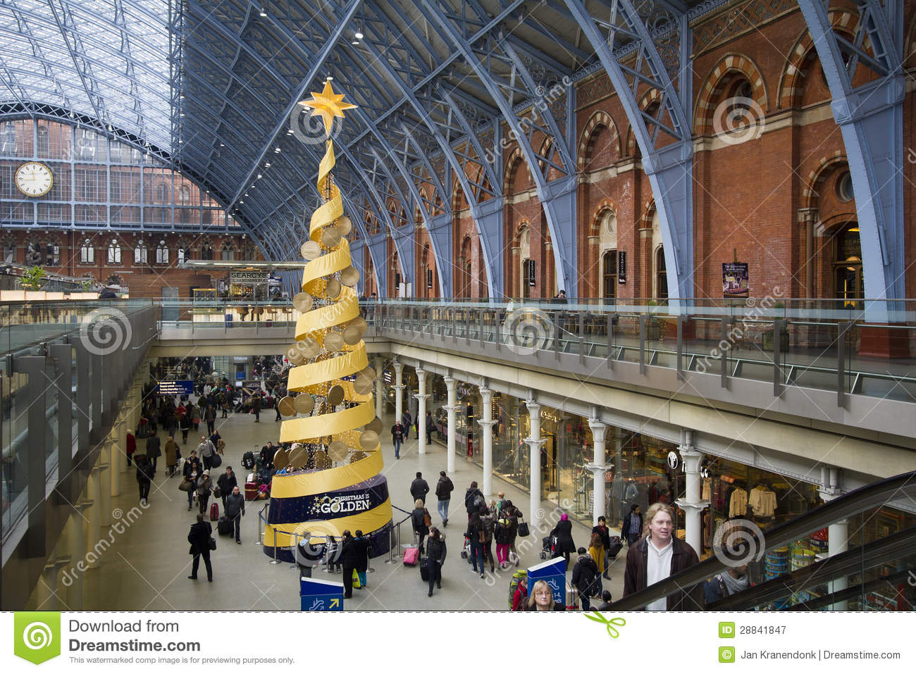 Christmas in st pancras railway station london uk editorial photography i - Consigne saint pancras londres ...