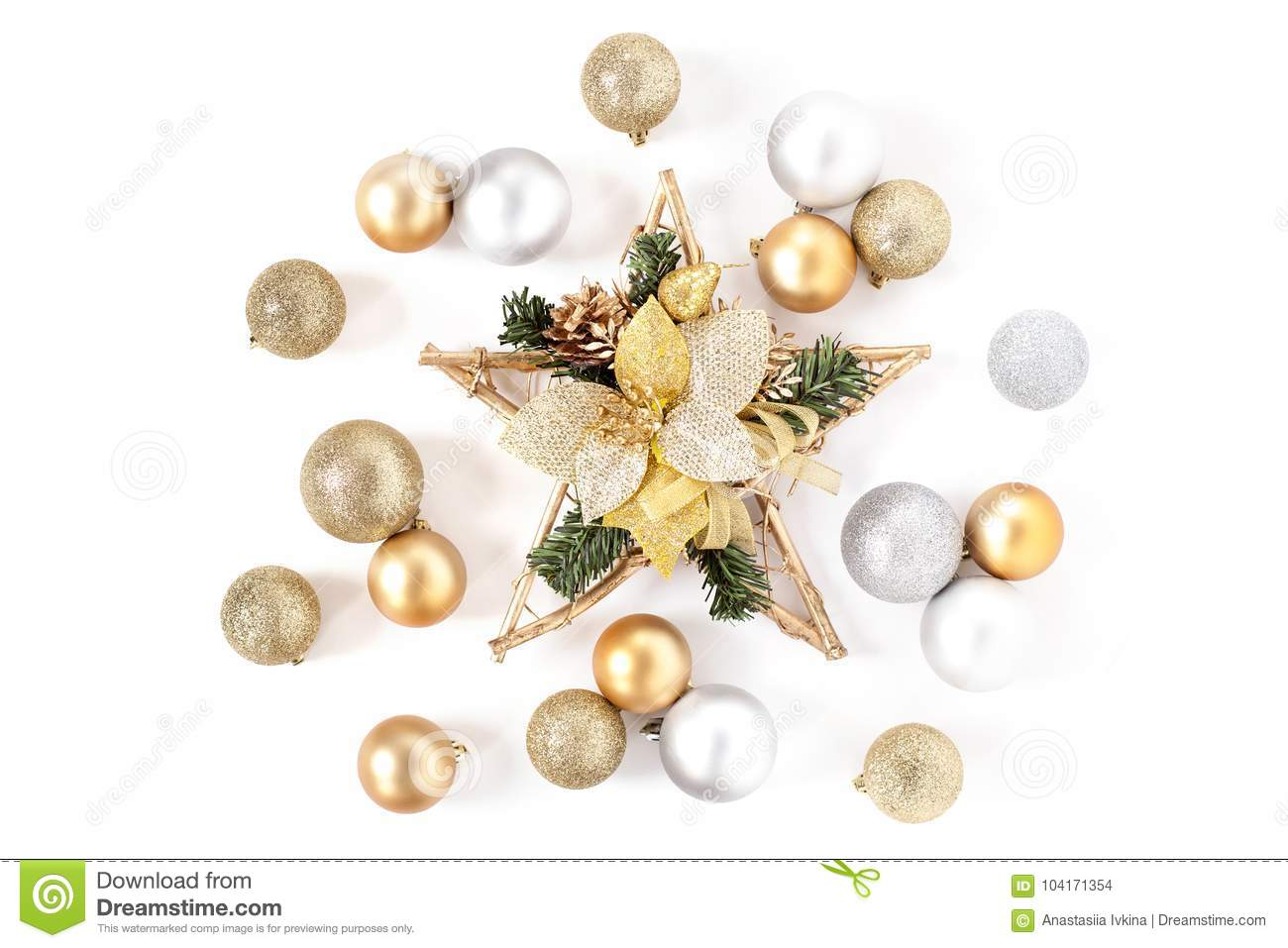 7b92e65bcd09 Christmas star, Golden and Silver Balls Top view White Background Christmas