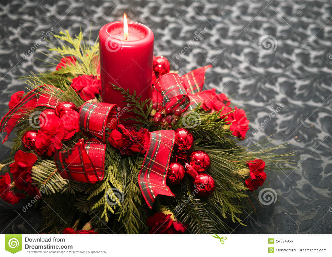 Christmas table decoration royalty free stock image for Decoration de table