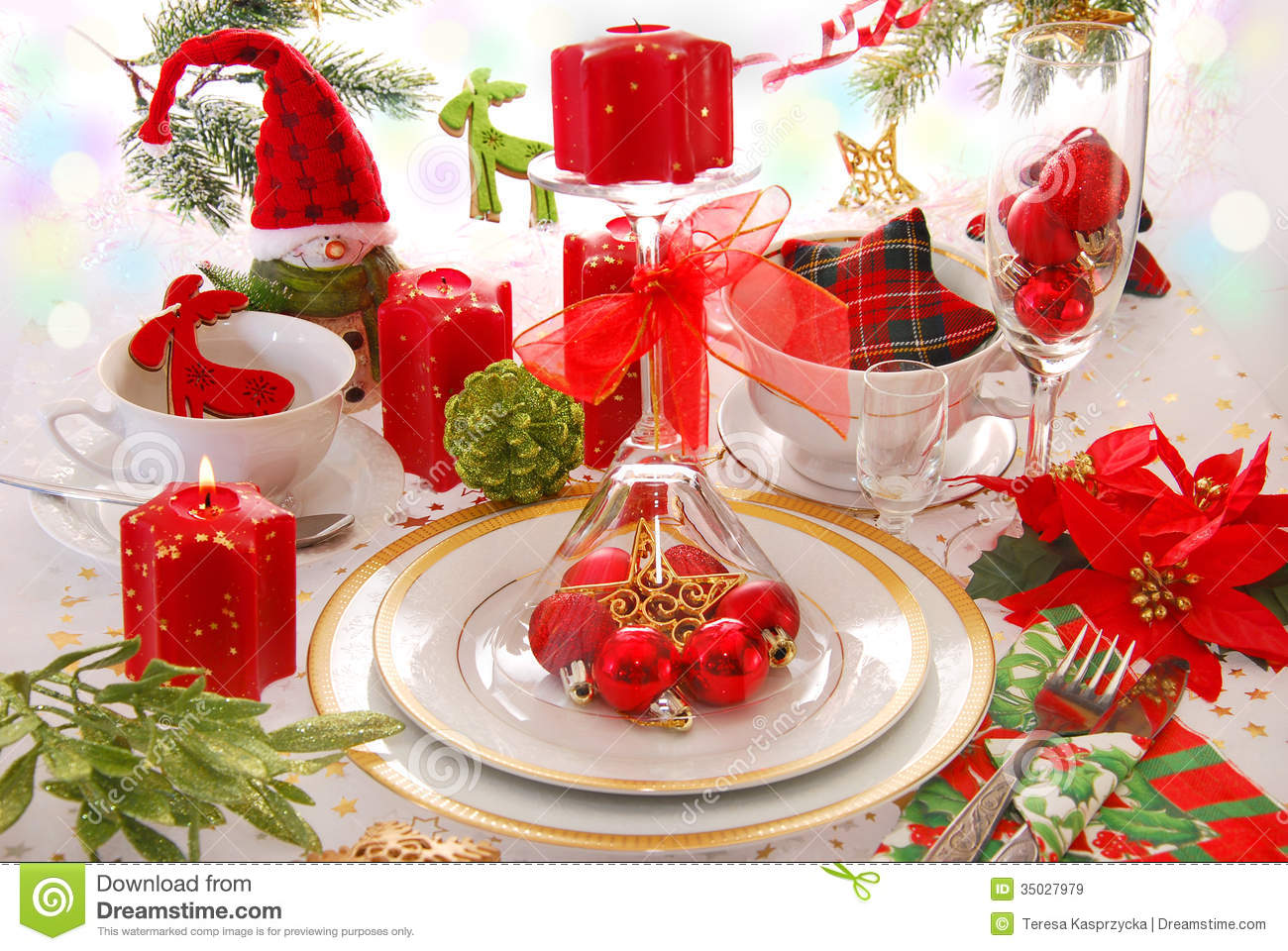 Christmas Table Decoration With Red Candles Royalty Free Stock Images