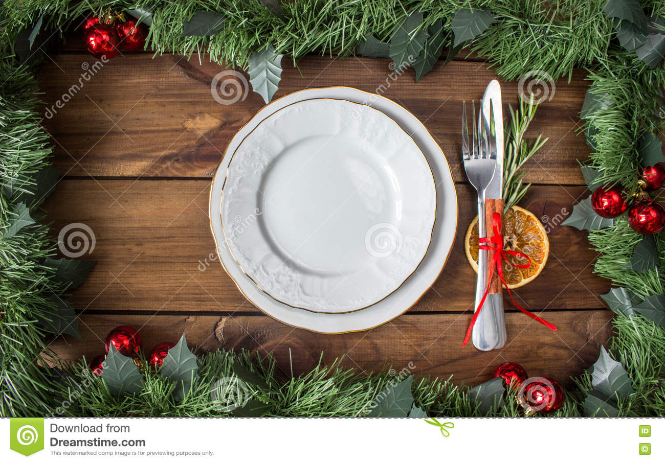 Christmas Table Place Setting Decoration In Gold, Red ...