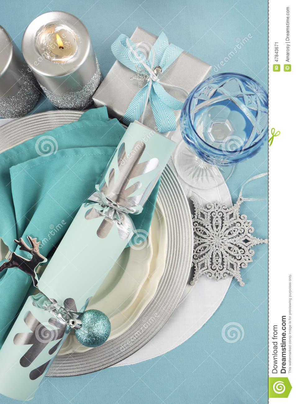 Silver and white christmas table decorations - Christmas Table Place Settings In Aqua Blue Silver And White