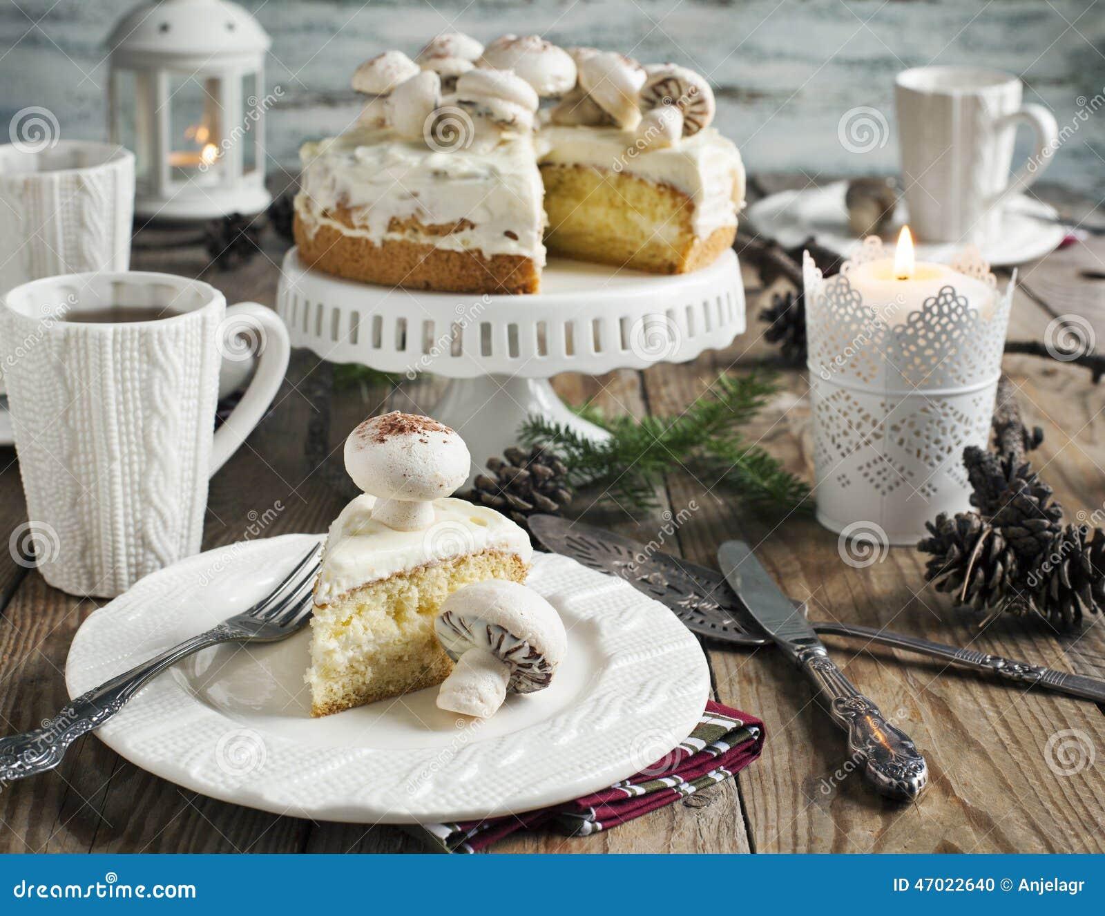 Christmas table setting with cake & Christmas Table Setting With Cake Stock Photo - Image of cake ...