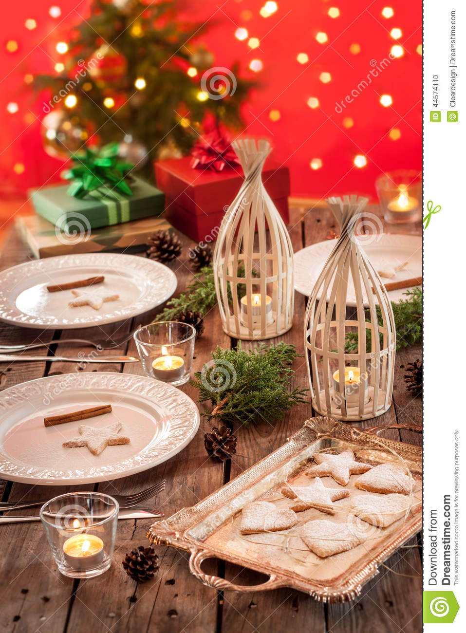 Christmas Table Setting With Rustic Style Decorations