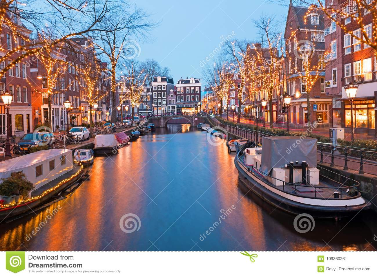 christmas time in amsterdam the netherlands at dusk stock. Black Bedroom Furniture Sets. Home Design Ideas