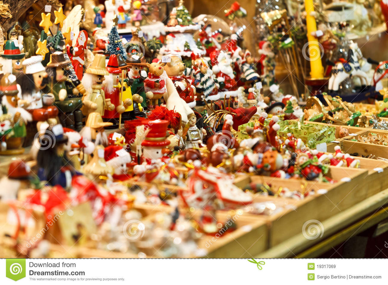 Christmas Toy Store : Christmas toys in store royalty free stock images image