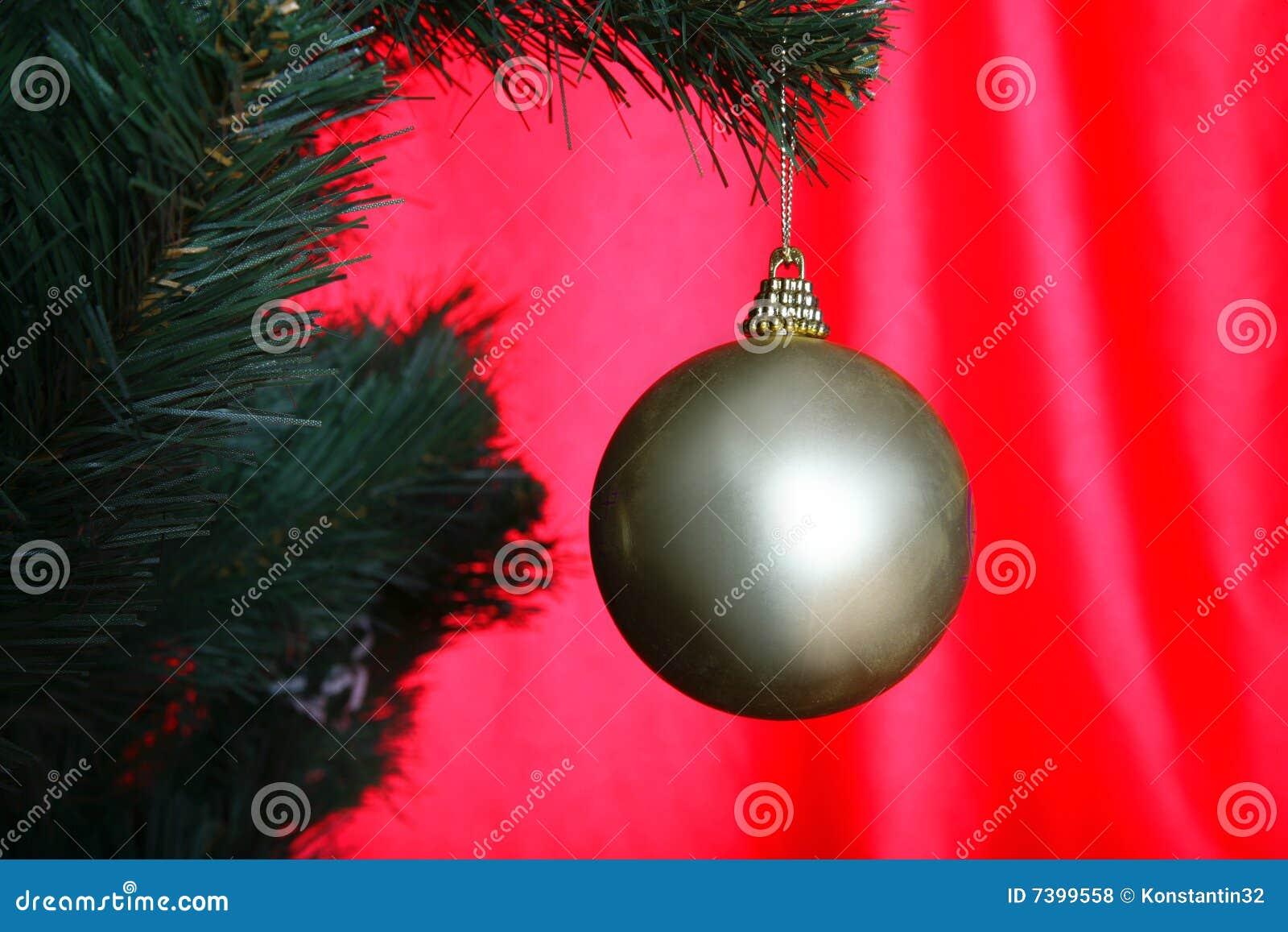 Christmas Tree Ball Placement : Christmas tree with ball royalty free stock photos image