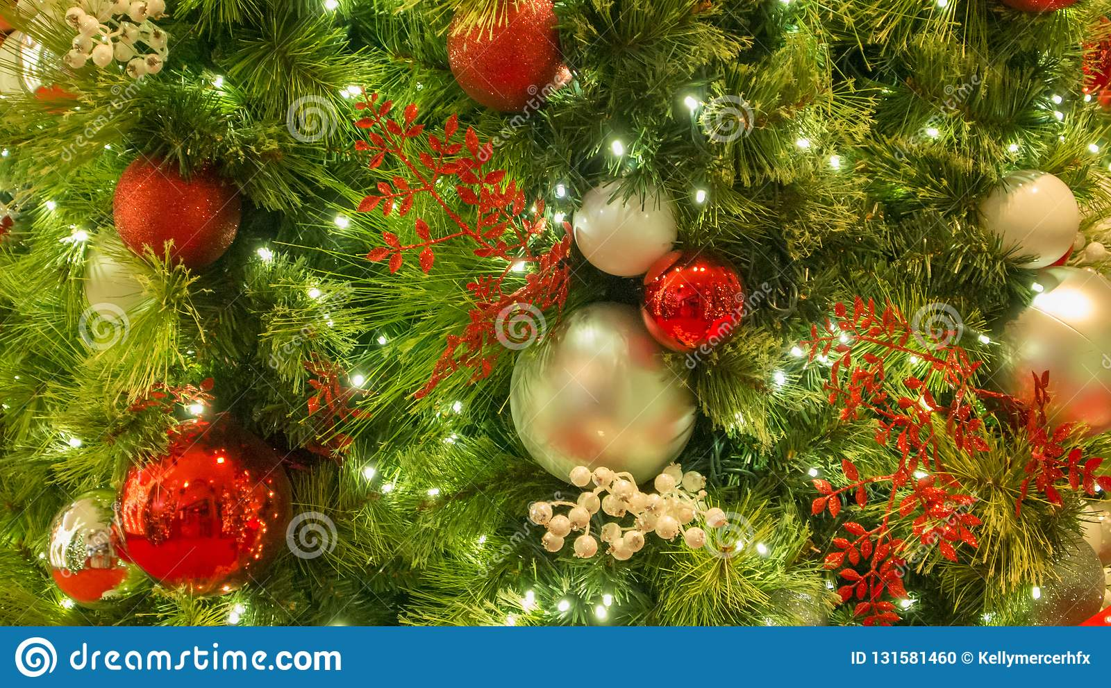 35 669 Christmas Tree Decorations Red Gold Photos Free Royalty Free Stock Photos From Dreamstime