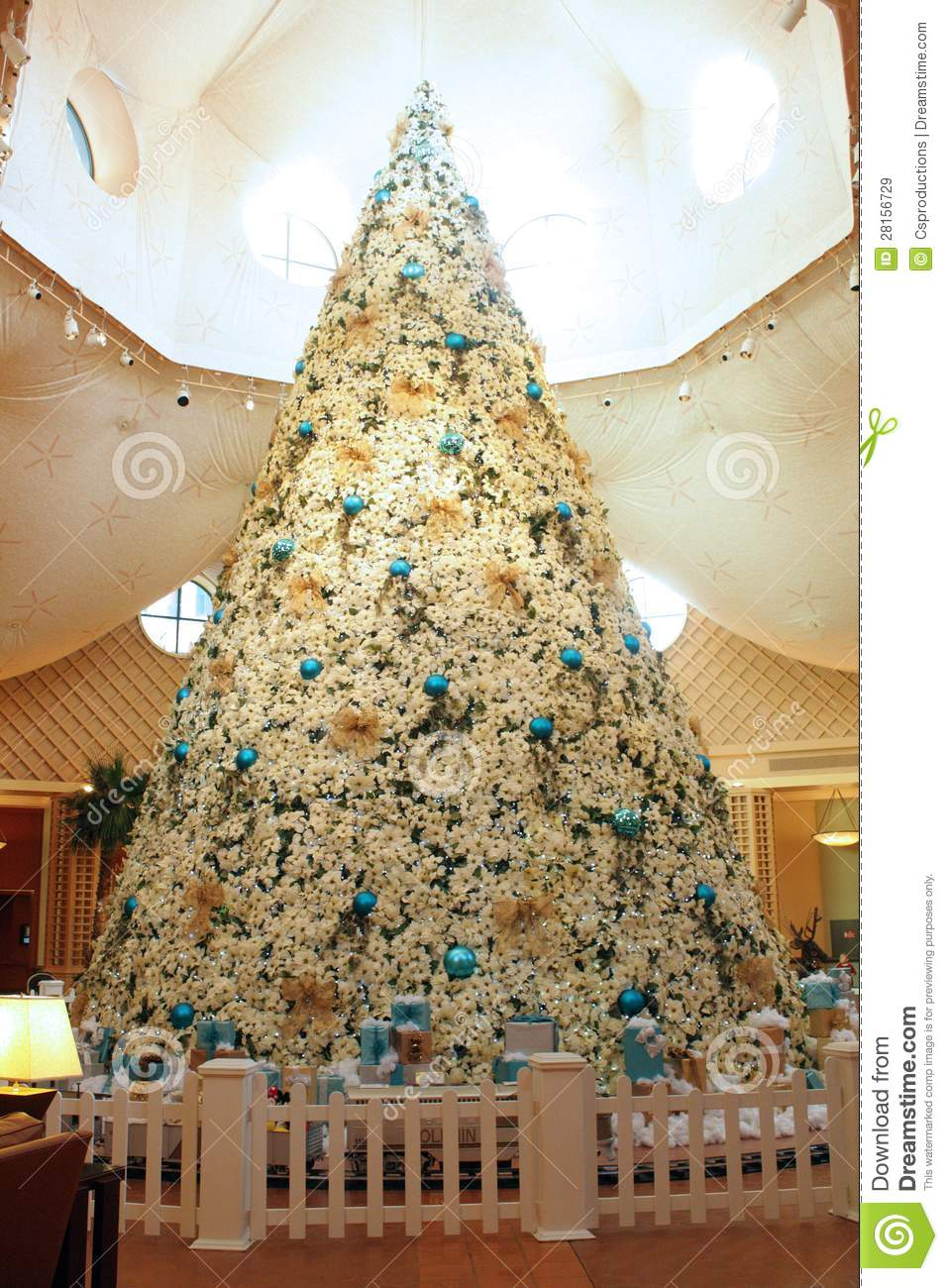 Artificial Christmas Trees Orlando Part - 15: Christmas Tree At Disney S Dolphin Hotel