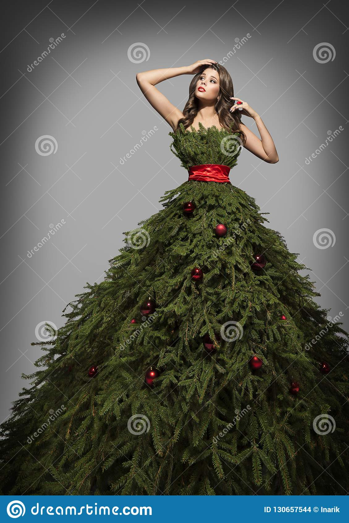 Christmas Tree Dress, Fashion Woman in Long Green Xmas Gown