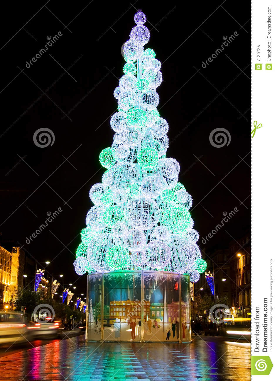 The Beautiful Christmas Tree