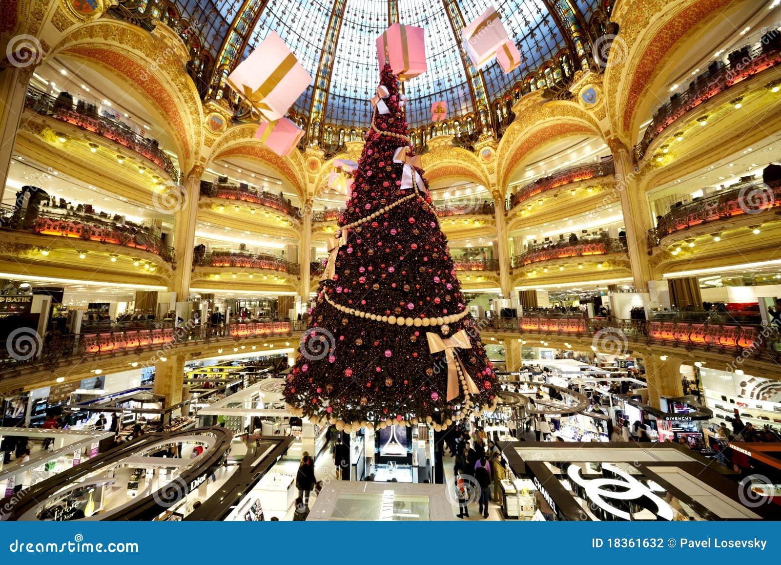 #AB8C20 The Christmas Tree At Galeries Lafayette Editorial  5431 décorations de noel galeries lafayette 1300x957 px @ aertt.com