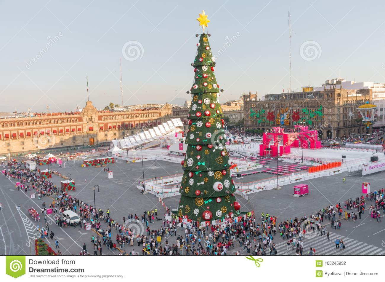 Images Of Zocalo In Mexico Christmas 2021 Christmas Tree And Ice Skating Rink On Zocalo Mexico City Editorial Photography Image Of Decorations Tree 105245932