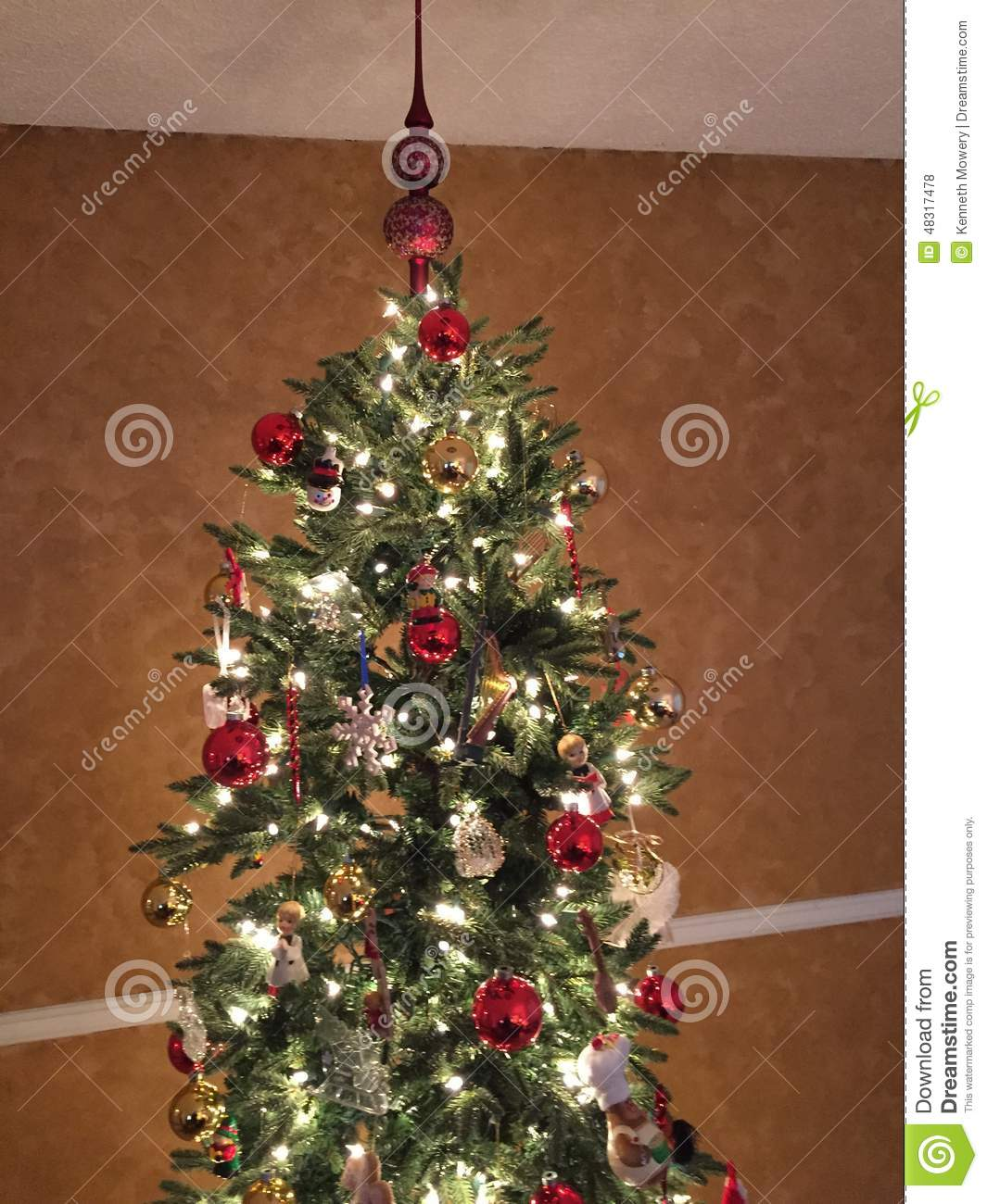Christmas tree with lights and ornaments stock photo for White tree red ornaments