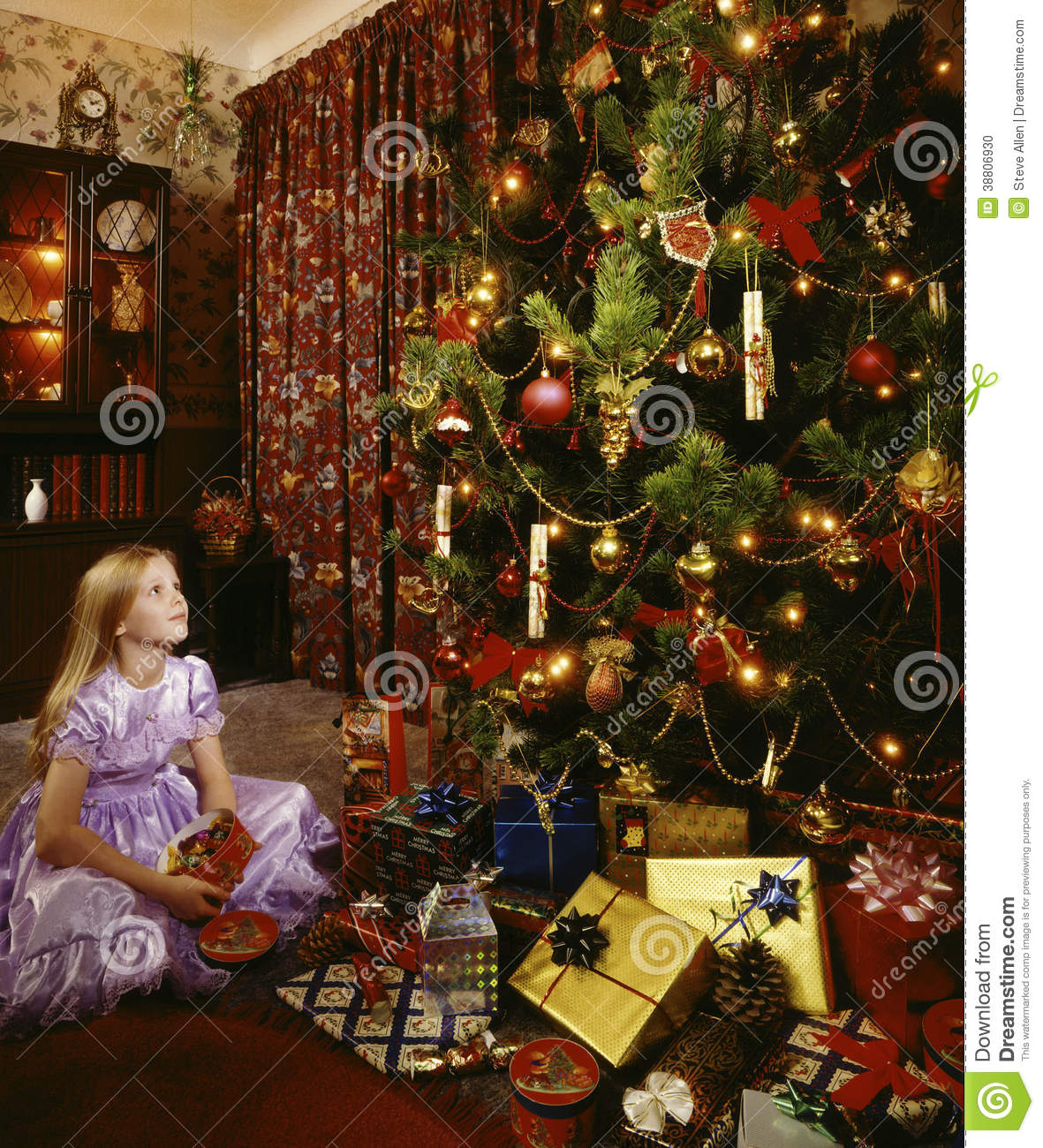 Little Girl Christmas Tree: Christmas Tree And Angelic Little Girl Stock Photo