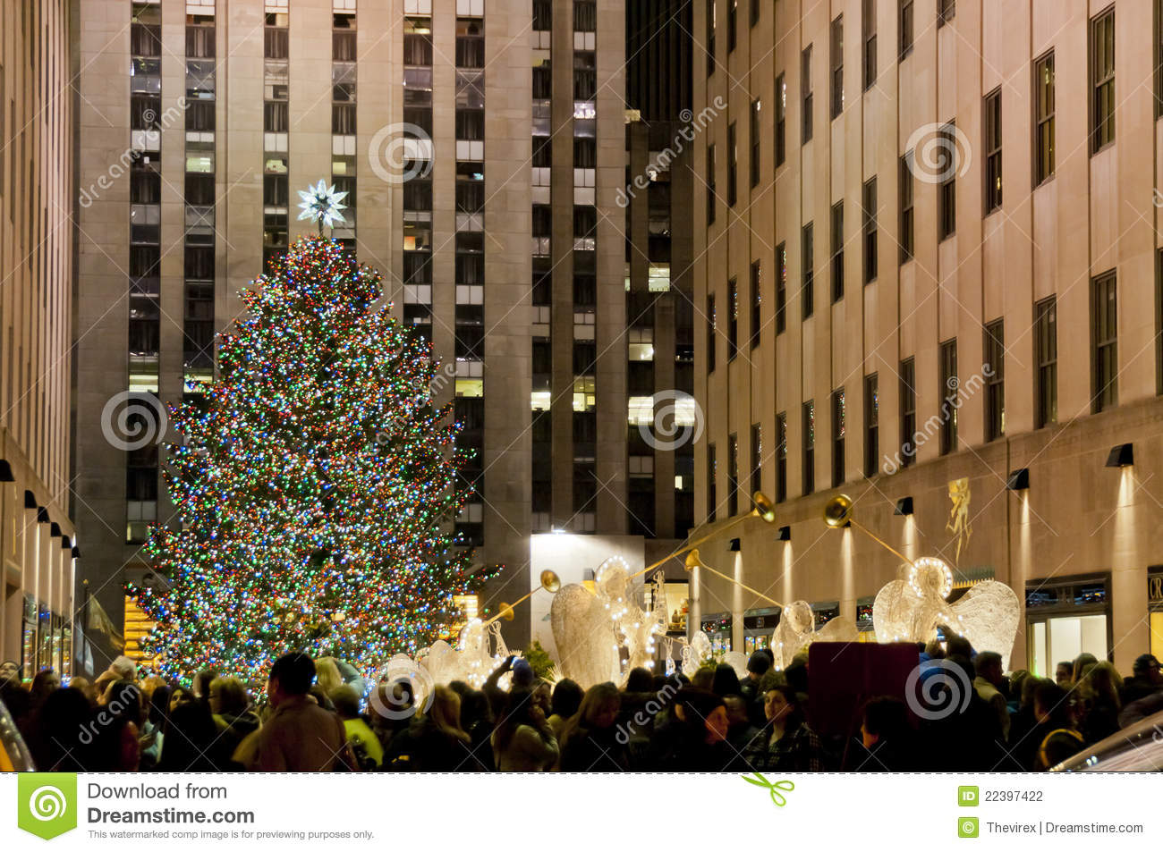 Christmas Tree In Manhattan Editorial Photography - Image: 22397422