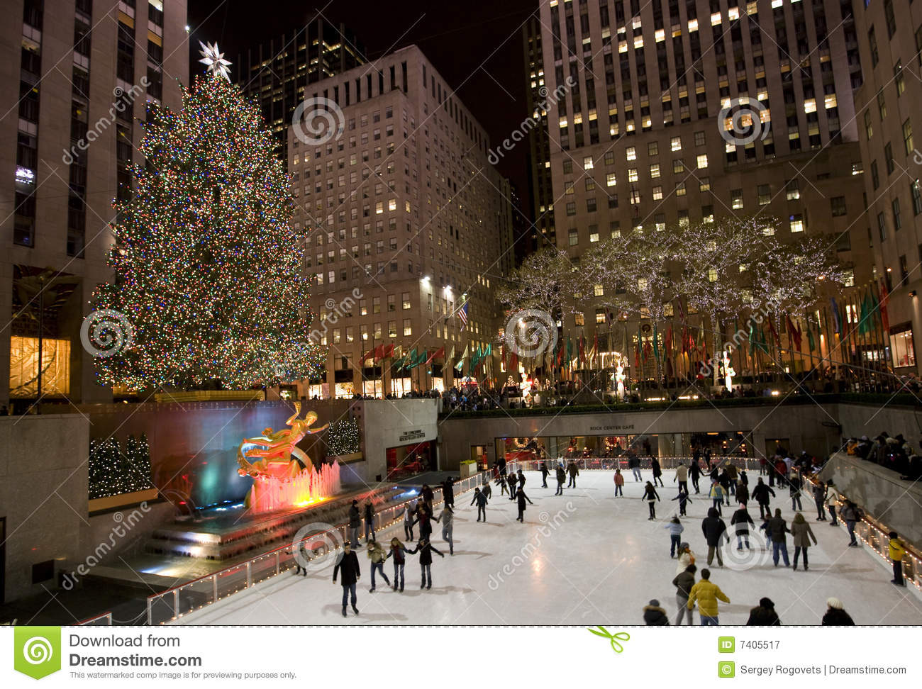 Christmas Tree In New York Editorial Photography - Image ...