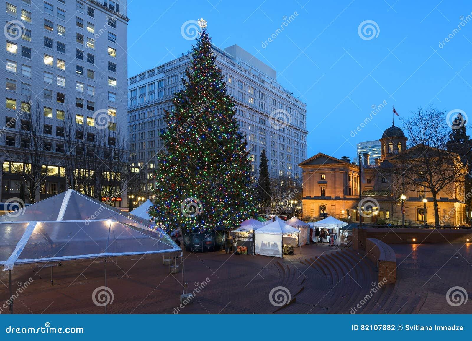 Portland Christmas Tree.Christmas Tree In Portland Or Editorial Photography Image