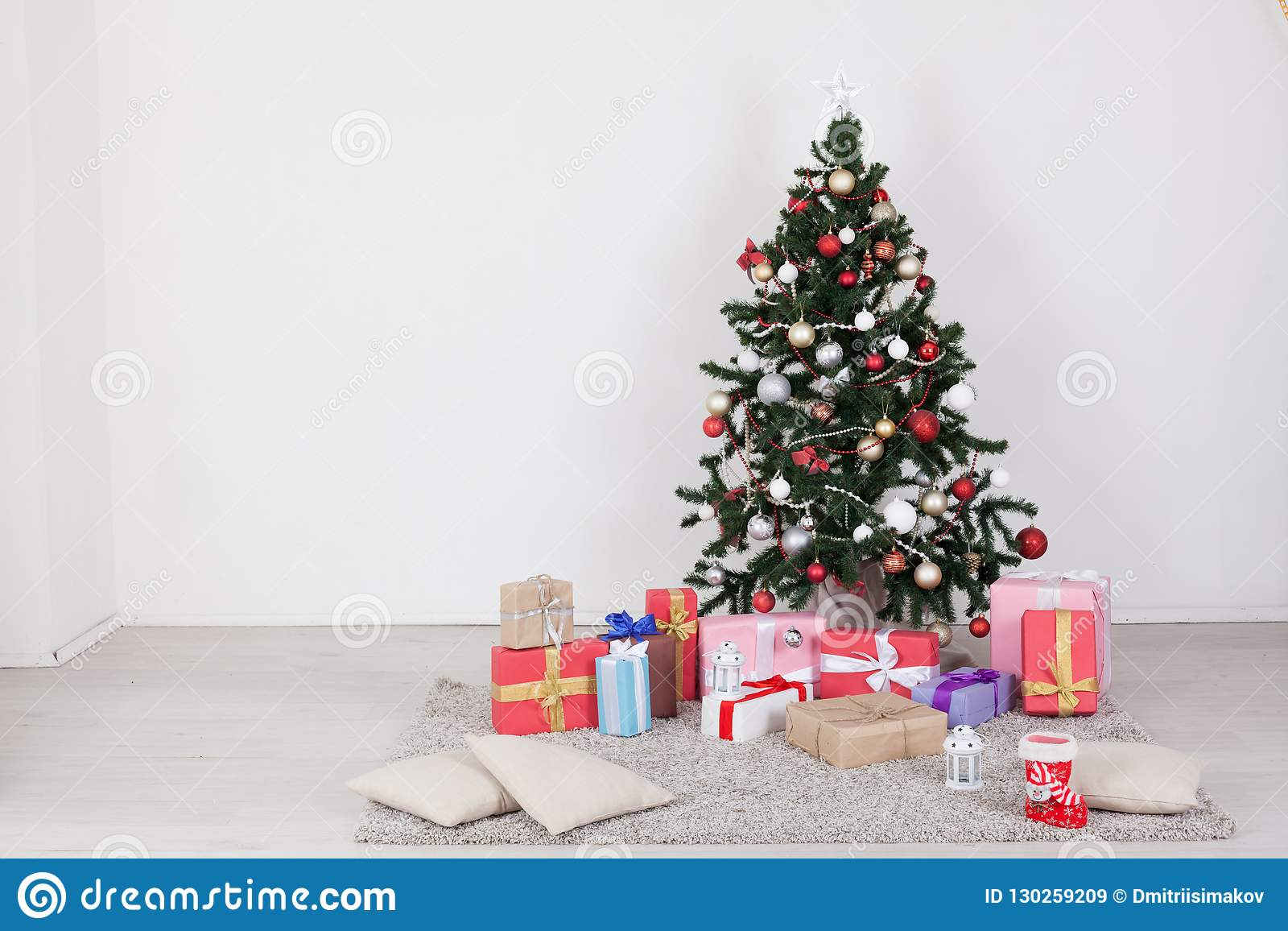 2019 year for lady- Christmas great tree with presents and lights
