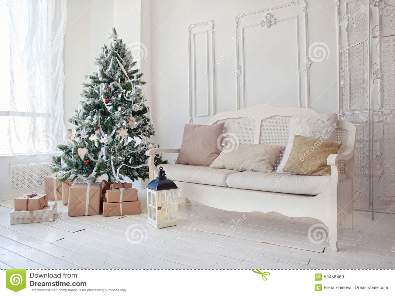 Christmas Tree With Presents Underneath In Living Room Stock Image ...