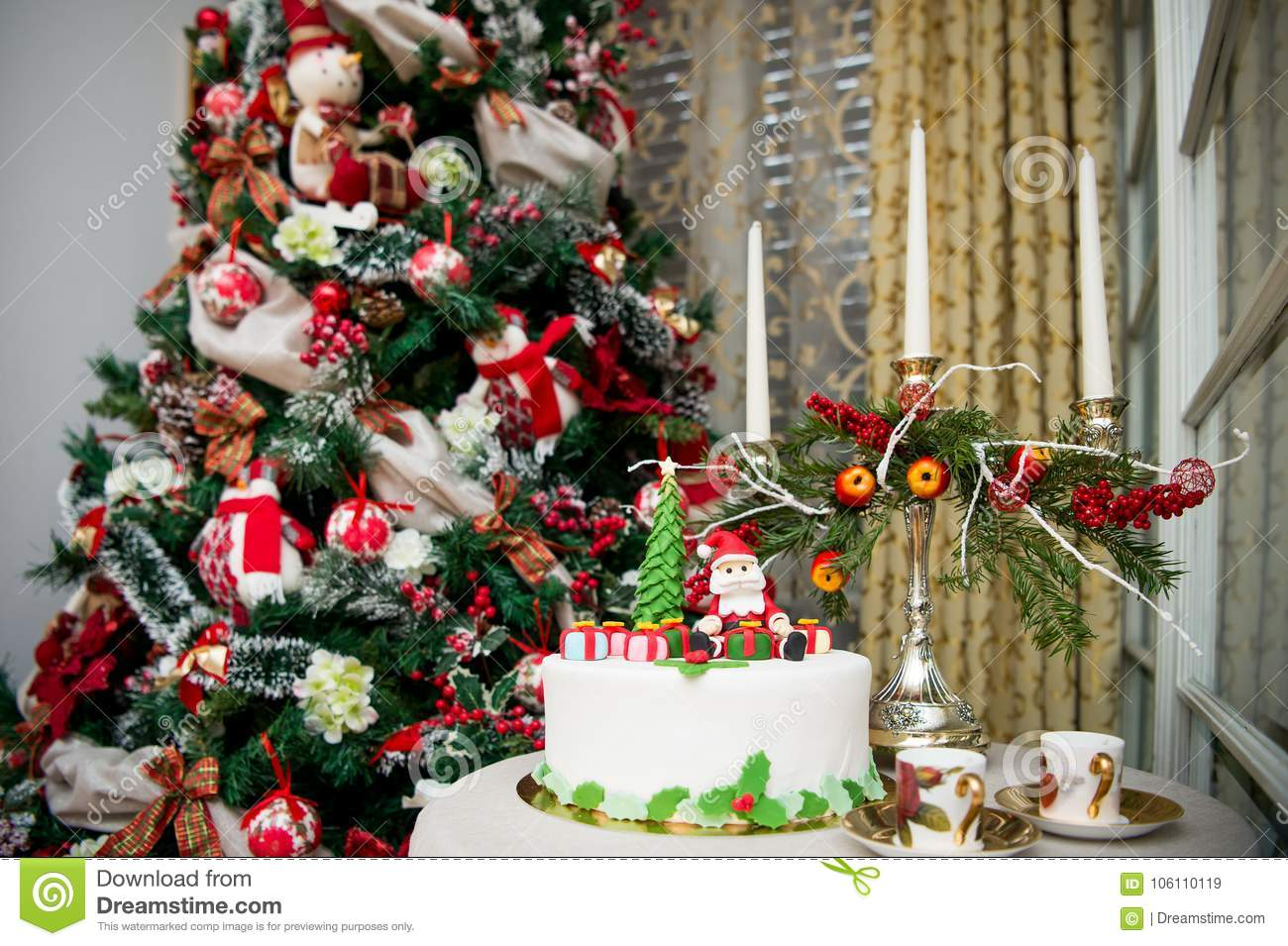 Christmas tree and a special cake