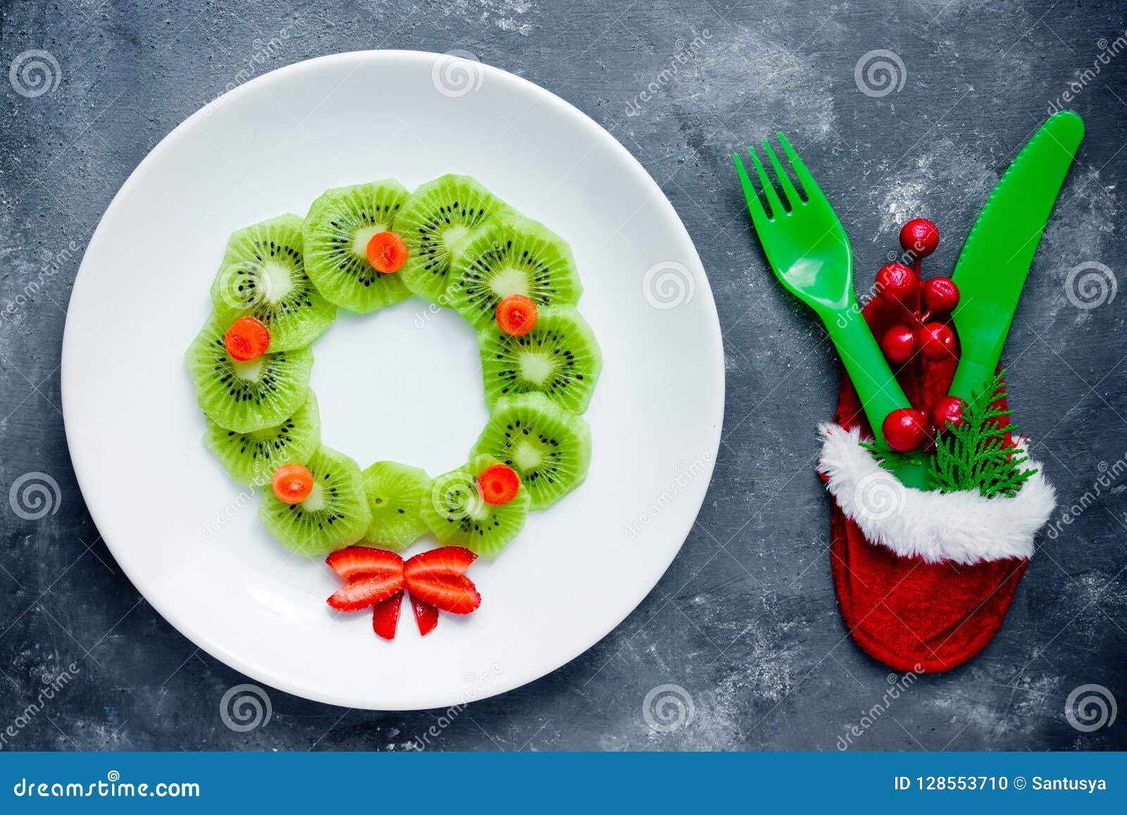 Christmas Wreath Kiwi Strawberry Fruit Plate Stock Photo Image Of Meal Dessert 128553710