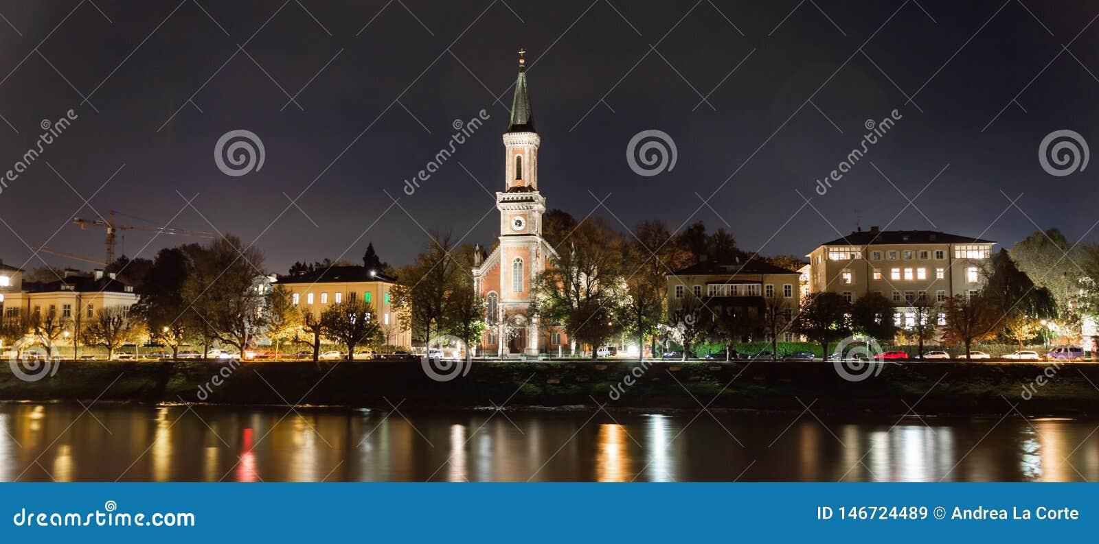Christuskirche στο Σάλτζμπουργκ τή νύχτα