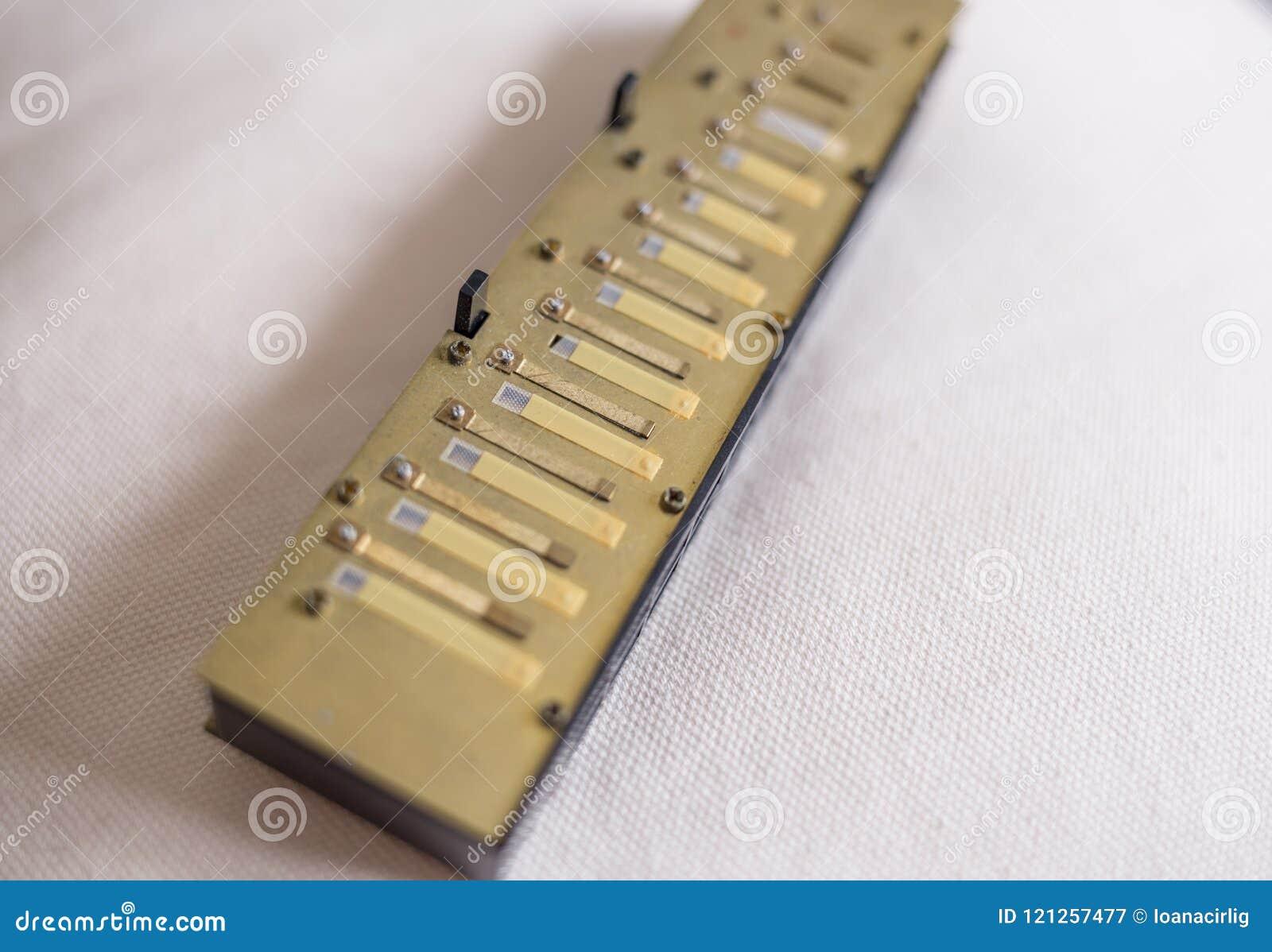 Chromatische harmonika-riet platen, windsavers en kleppen