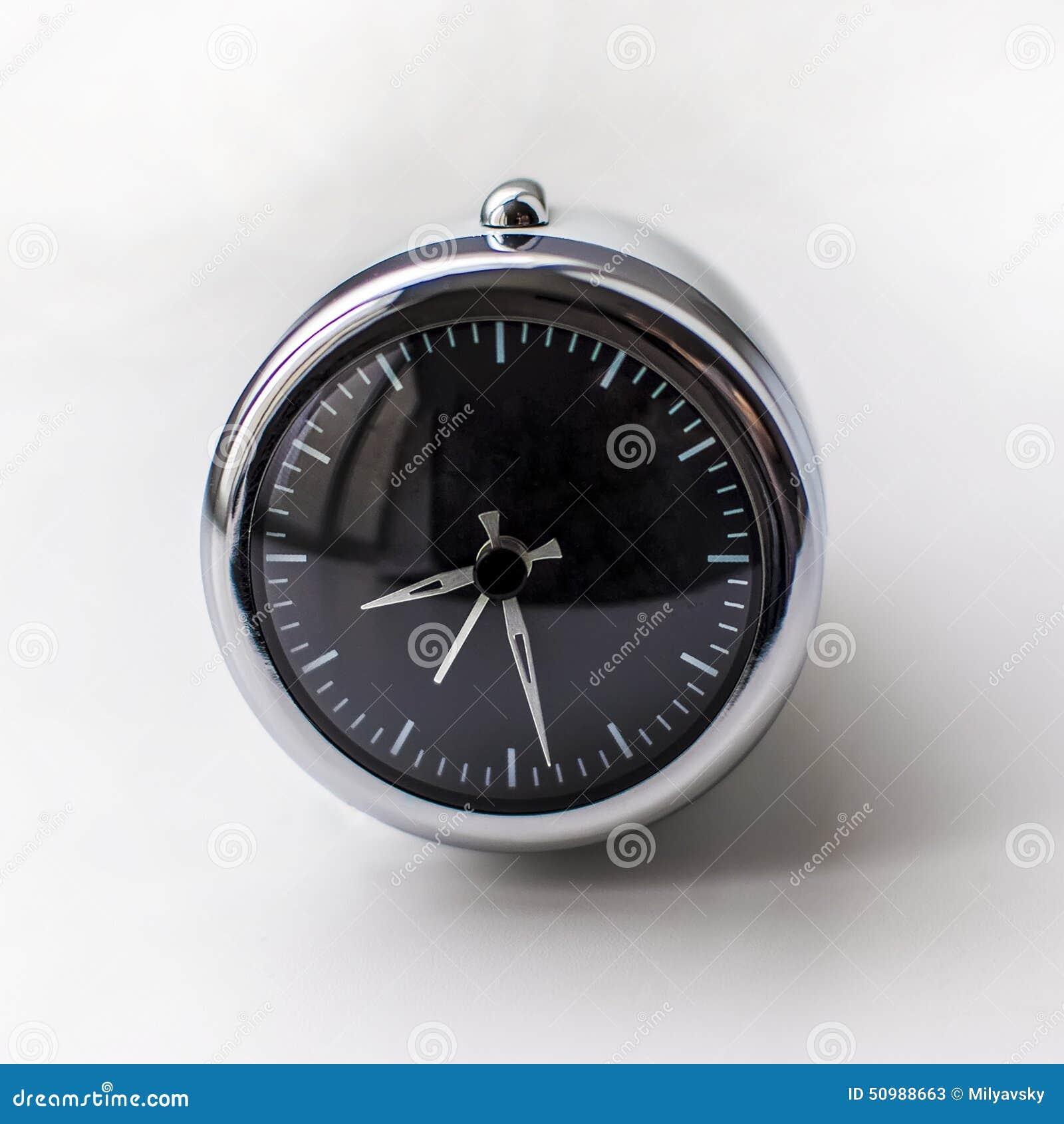 Chrome clock numbers eps cartoon vector cartoondealer for Designer alarm clock