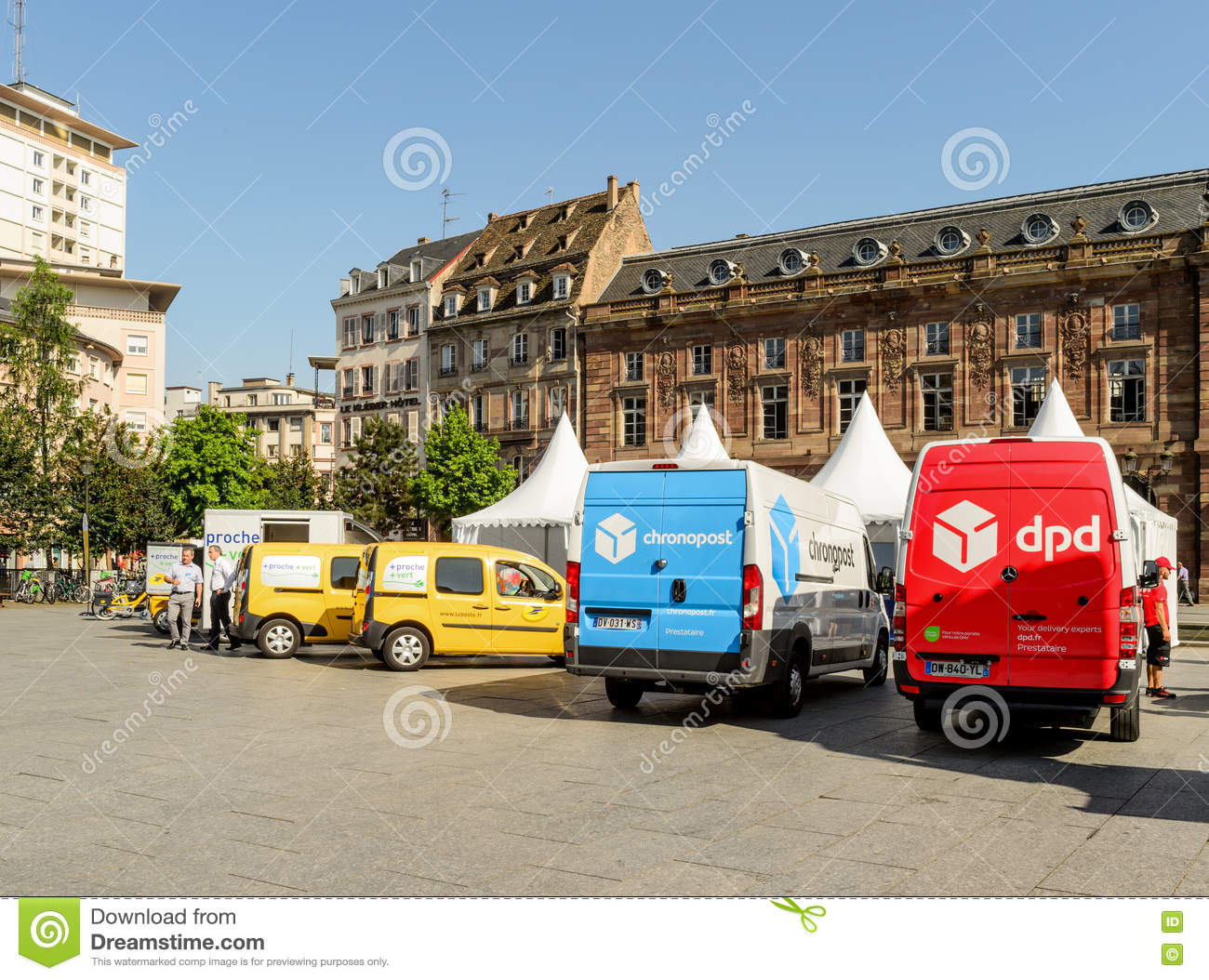 chronopost dpd la poste vans in a row city editorial image image of freight above 81094610. Black Bedroom Furniture Sets. Home Design Ideas