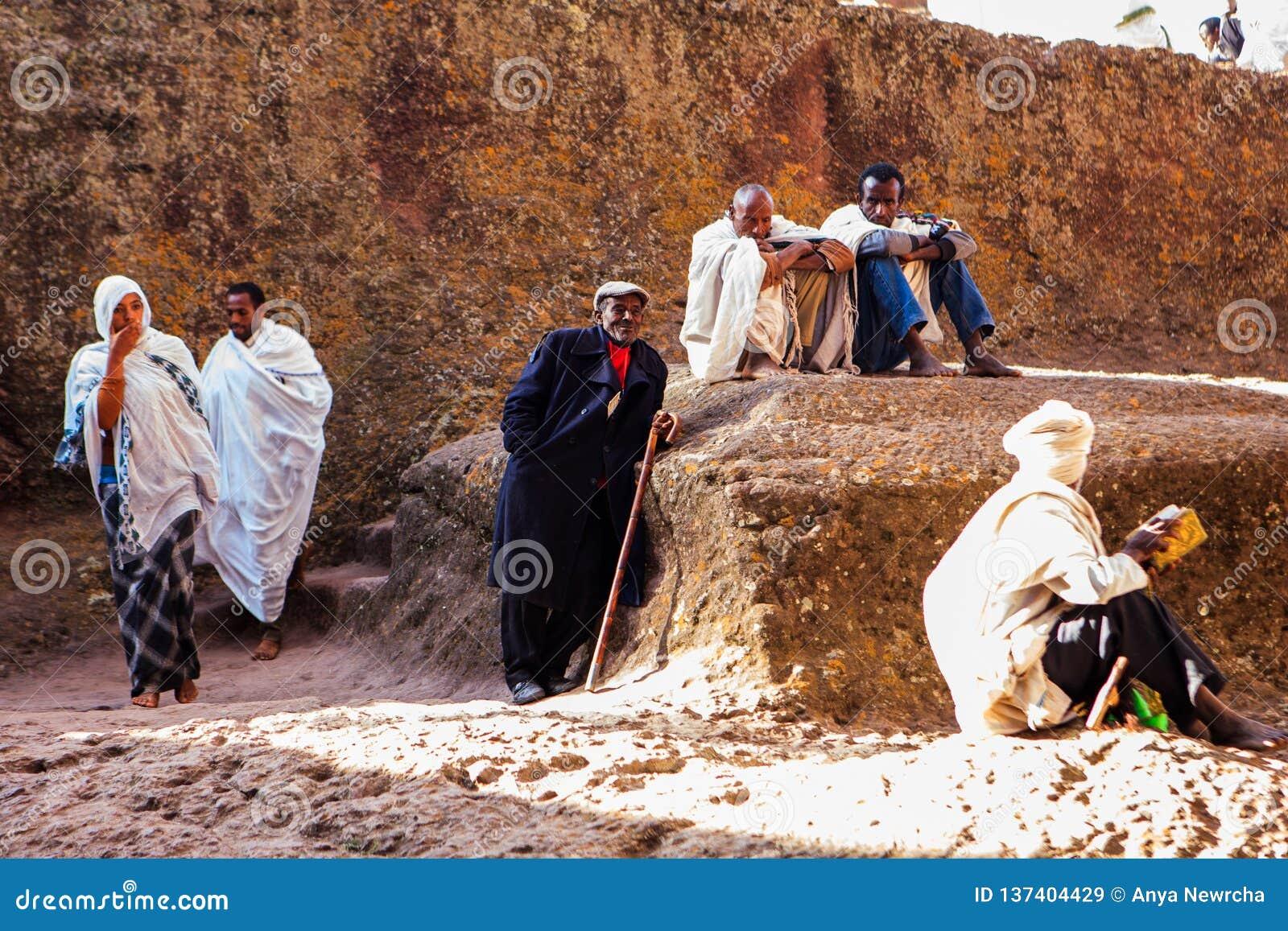 Chrześcijańscy pielgrzymi w Lalibela