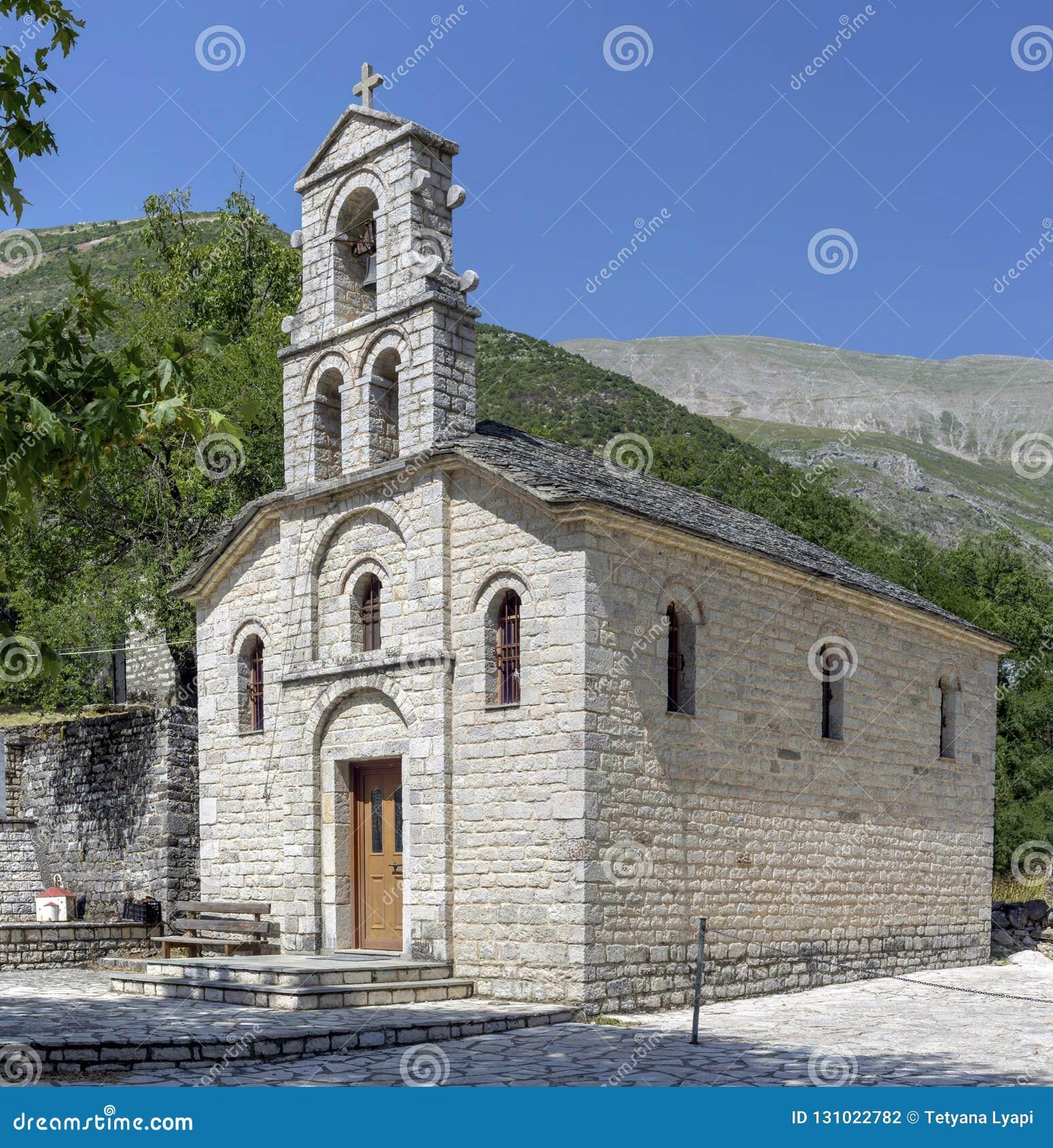 Chrześcijanin, Ortodoksalny kościół w górę Tzoumerka, Epirus, Grecja