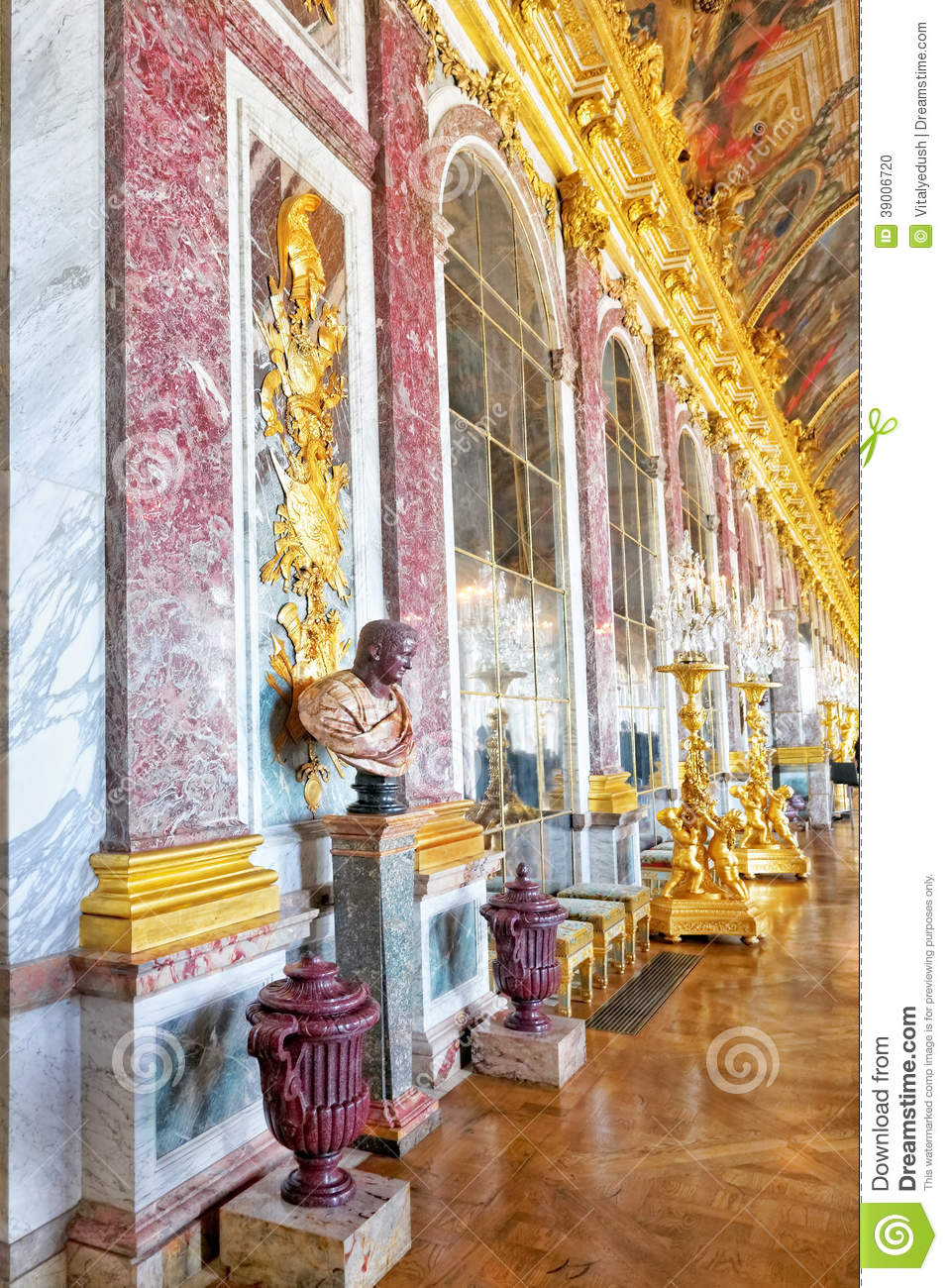 Ch teau int rieur de versailles photo stock image 39006720 for Chateau de versailles interieur