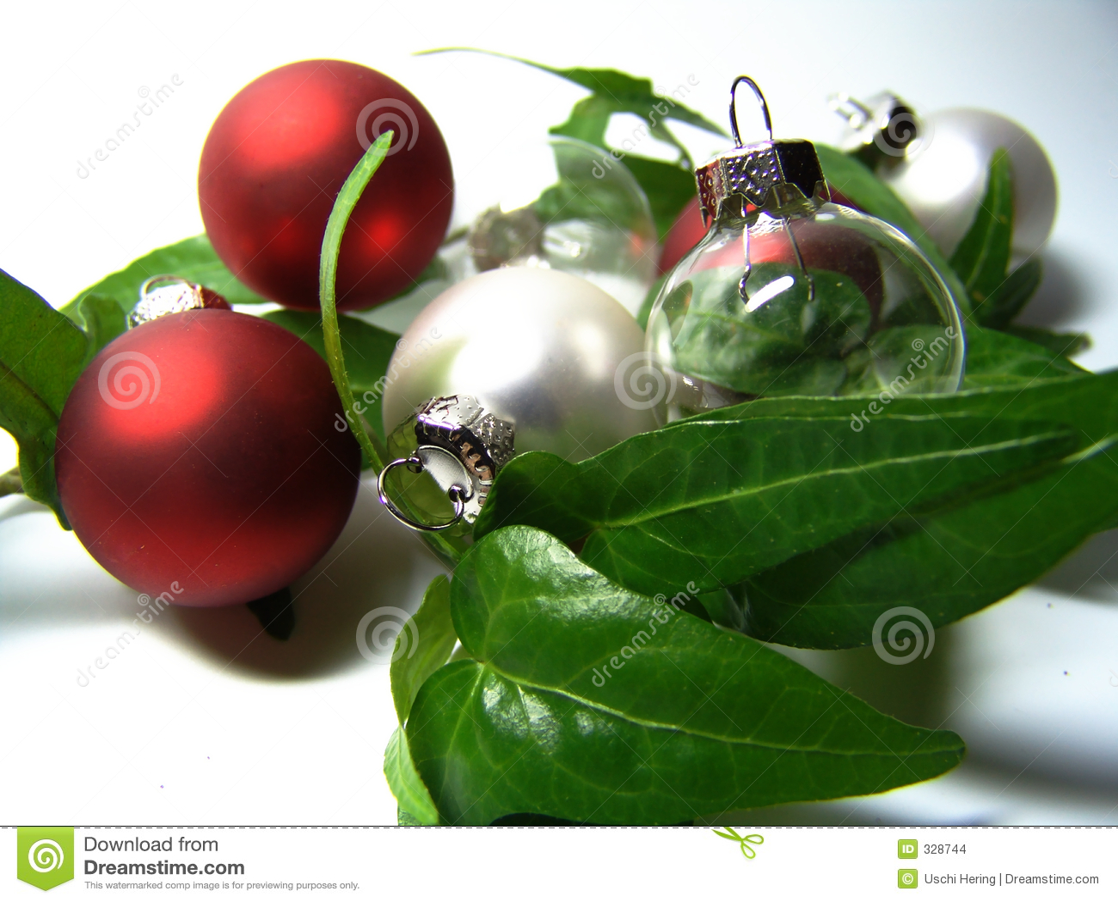 Chucherías de la Navidad con la hiedra