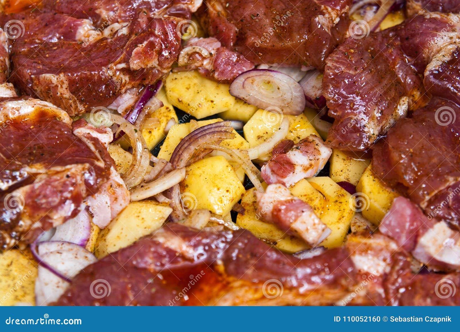 Chuck牛排食物用自创的土豆和的葱