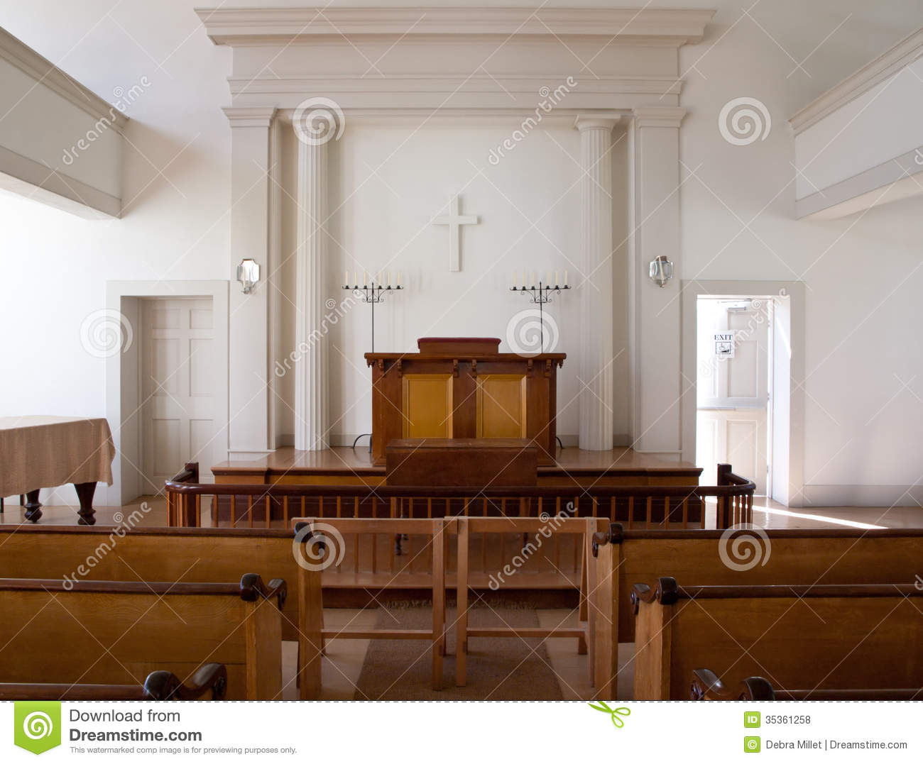 Church Interior To An Old Fashioned Simple Country Royalty Free Stock Photos