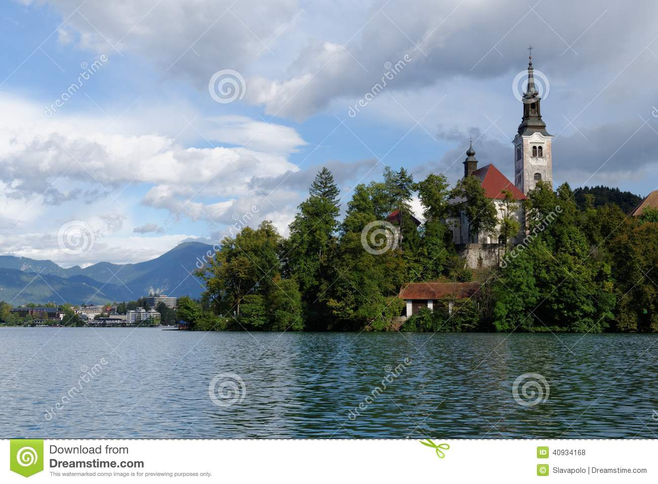 how to get to the island in lake bled