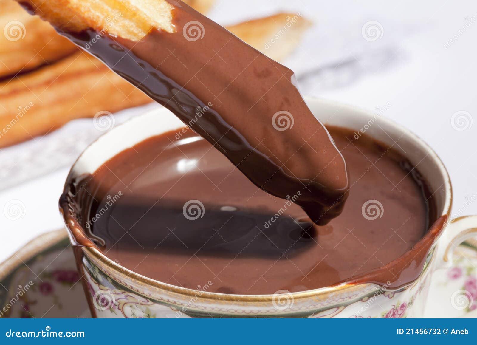 Churros a plongé en chocolat