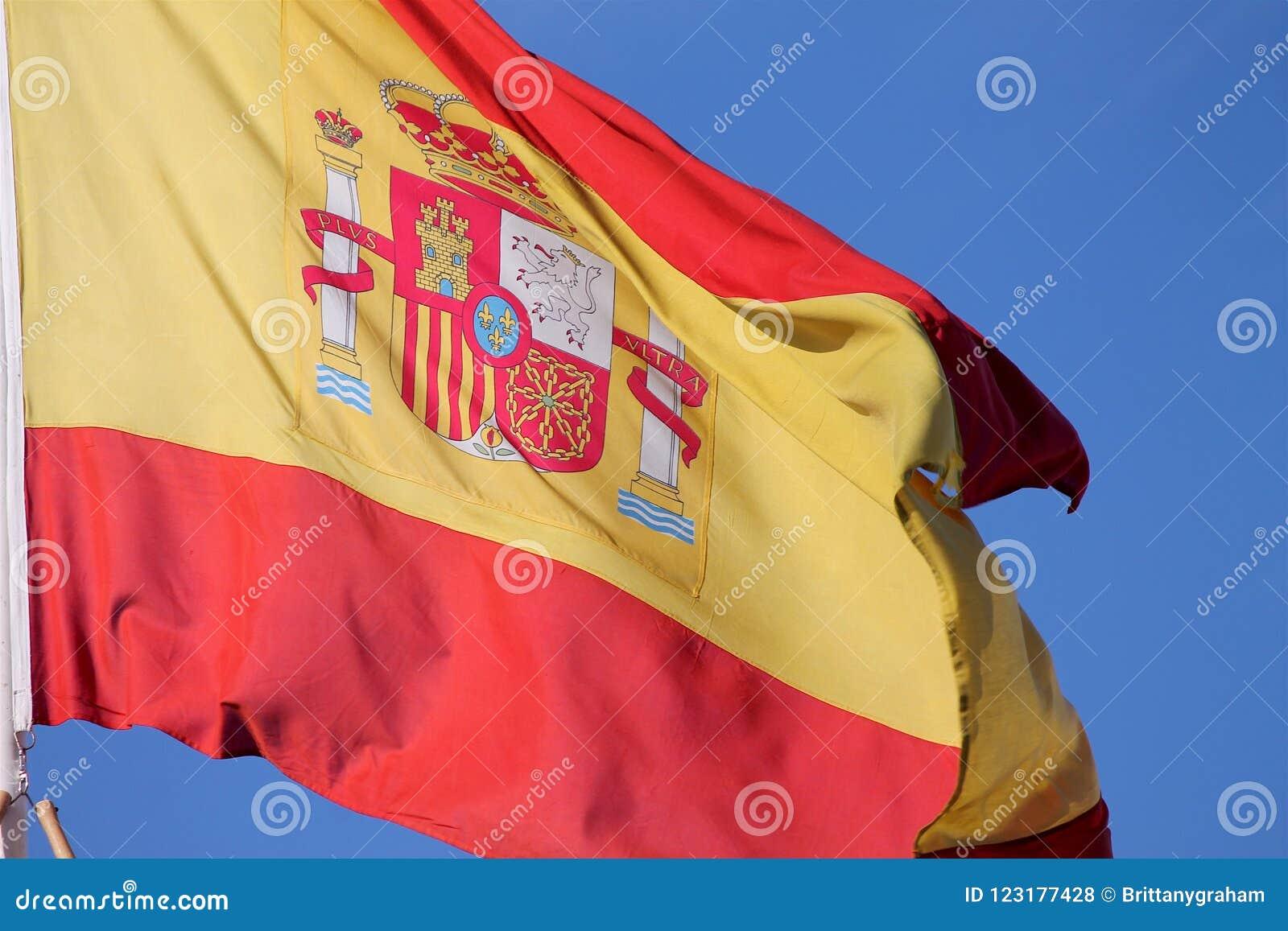 Que reinos representa el escudo de espana