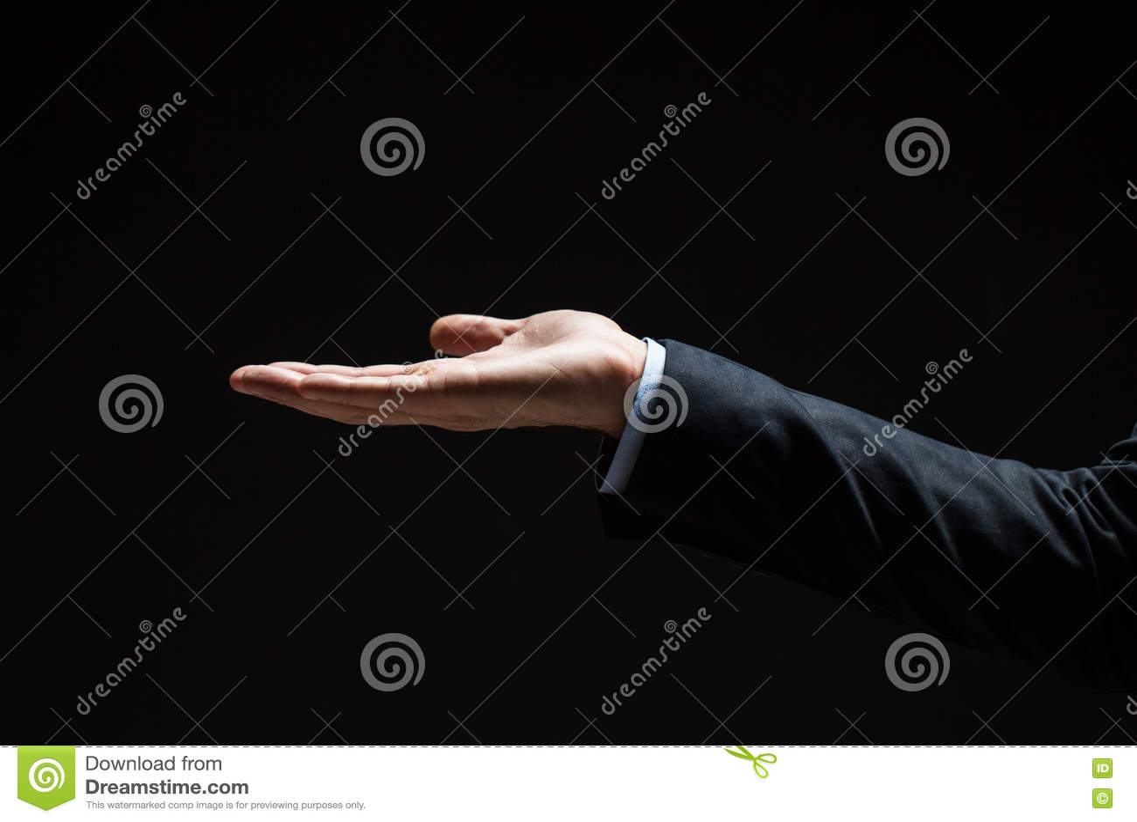 Ciérrese para arriba de hombre de negocios con la mano vacía