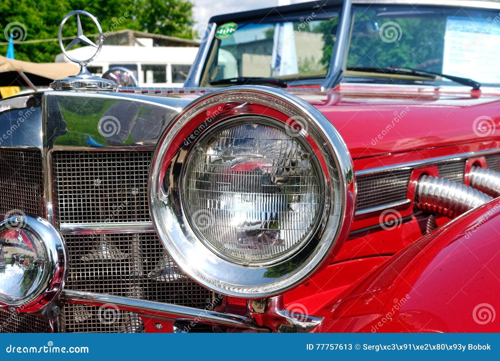 Ciérrese para arriba de imagen común automotriz del vintage de Mercedes-Benz Cabriolet