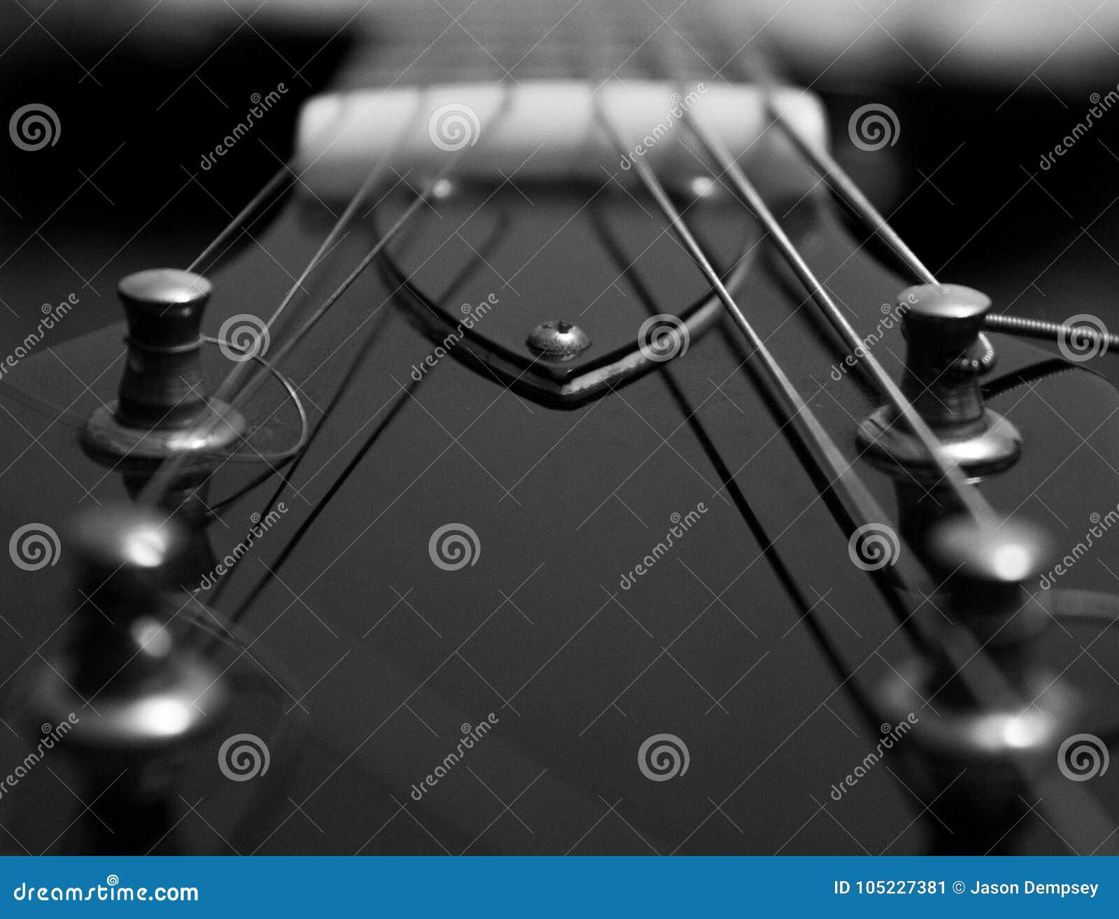 Ciérrese para arriba de la guitarra