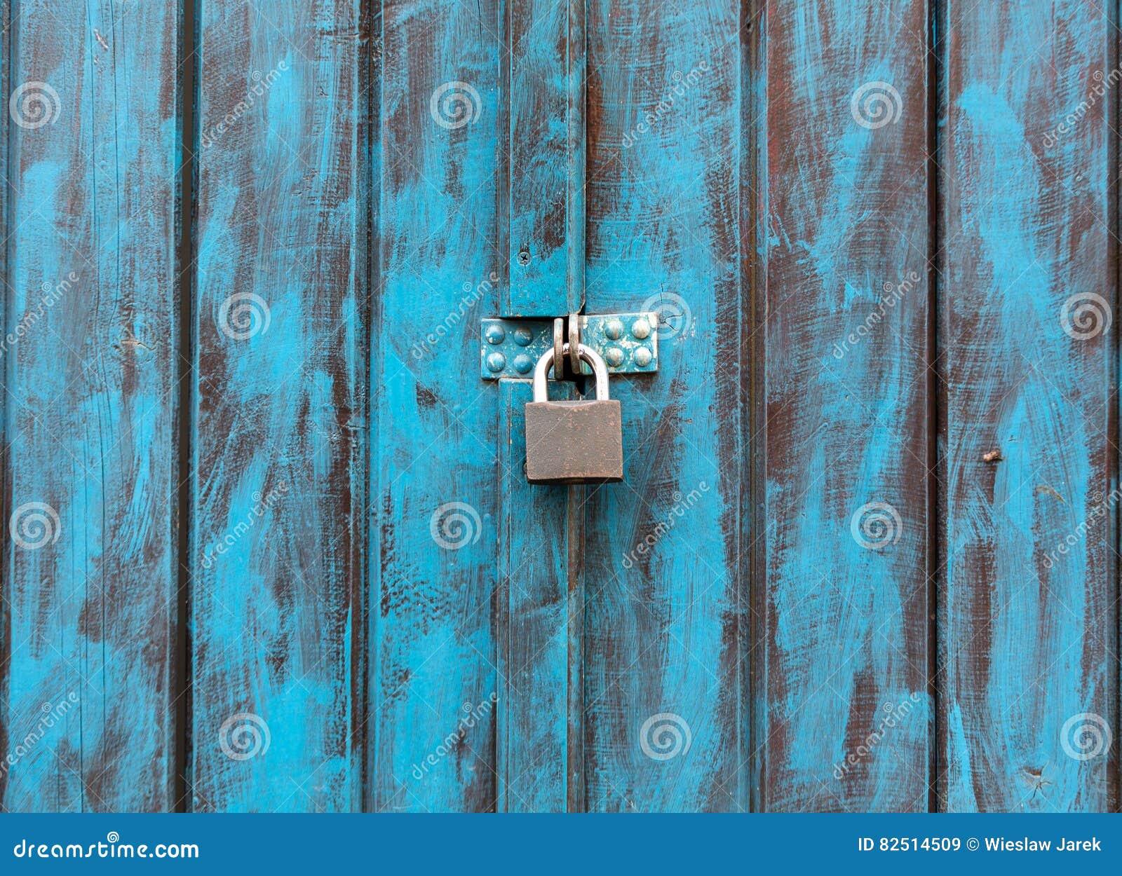 Cierrese Para Arriba De Una Puerta De Madera Antigua Pintada En Azul