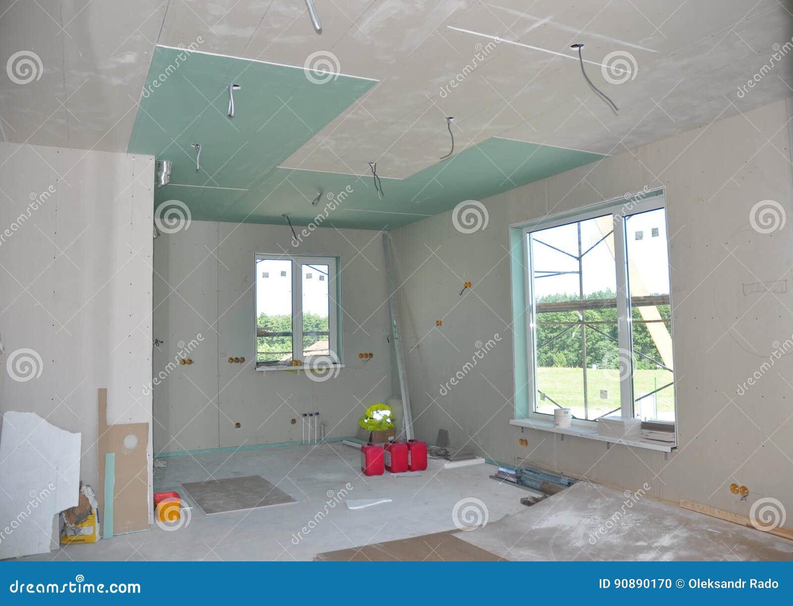 Techo de yeso elegant al colocar formas y molduras de for Paredes que no llegan al techo