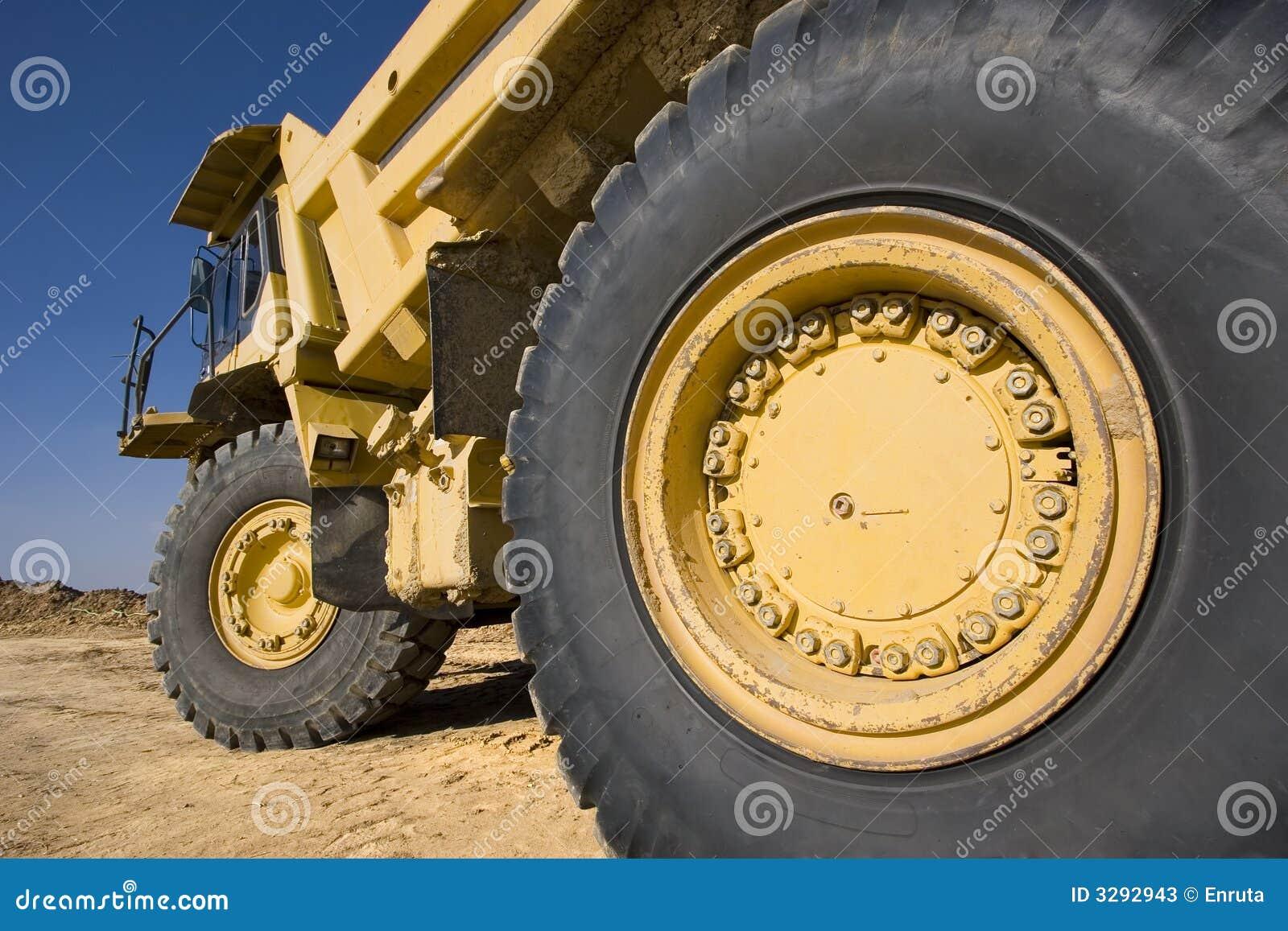 Ciężarówka górniczy żółty