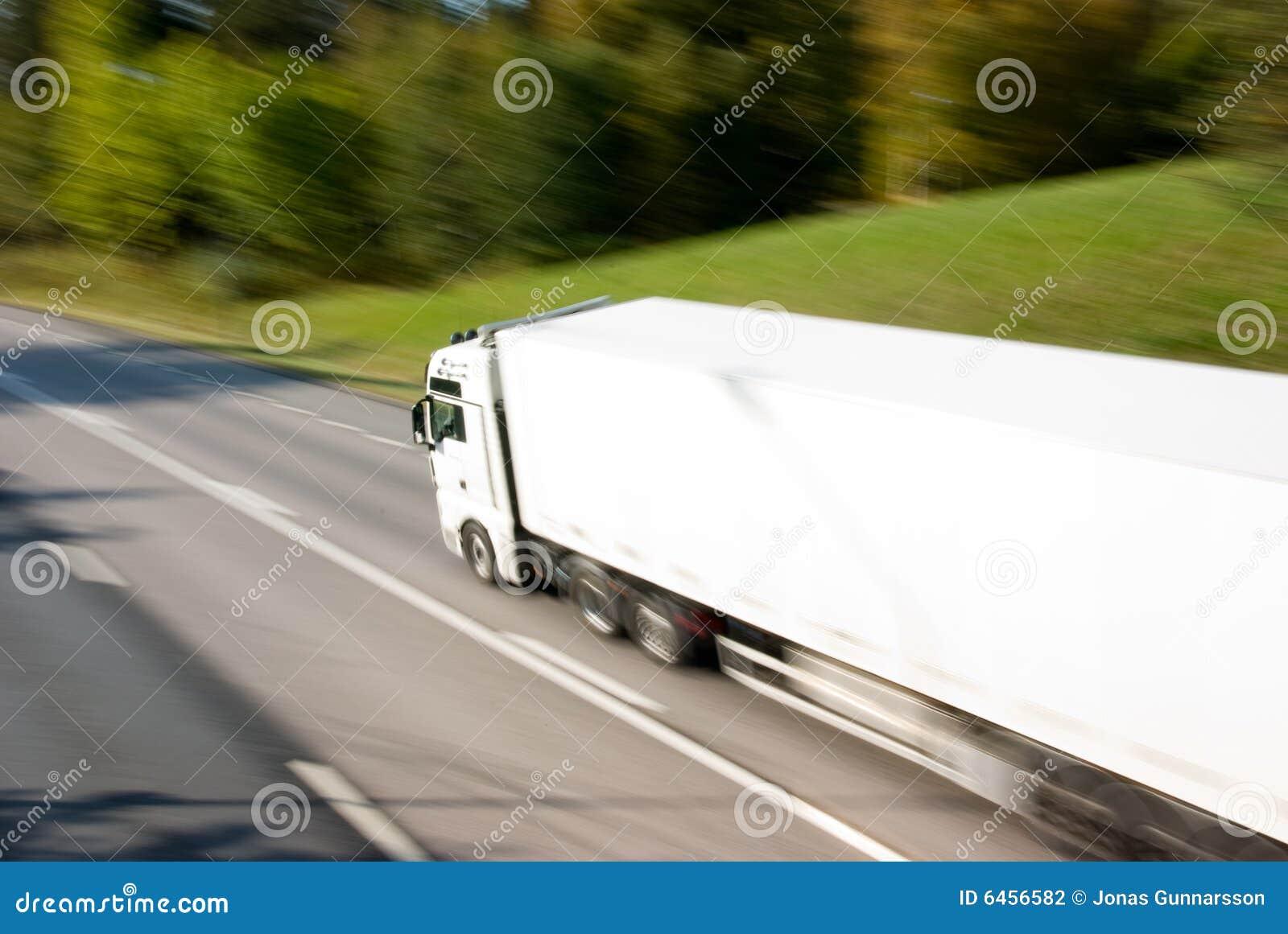 Ciężarówka w ruchu