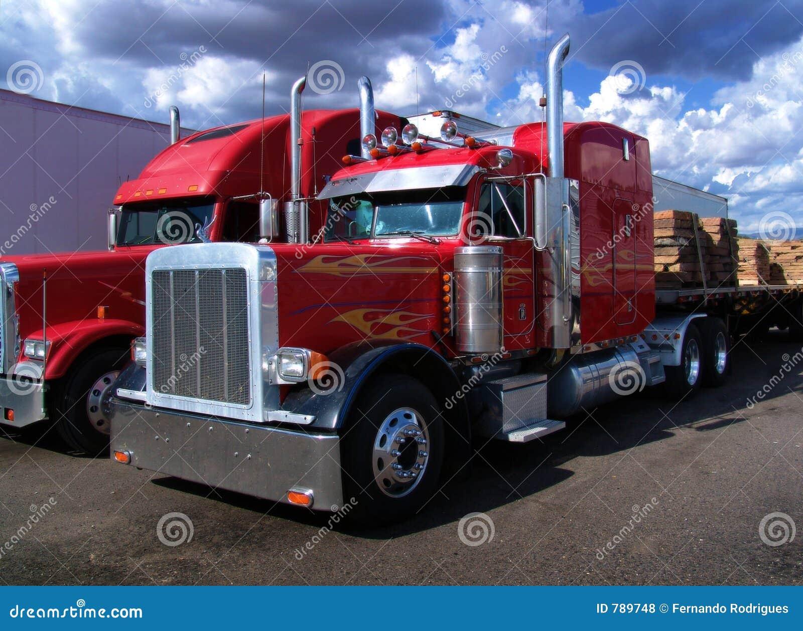 Ciężarówki.